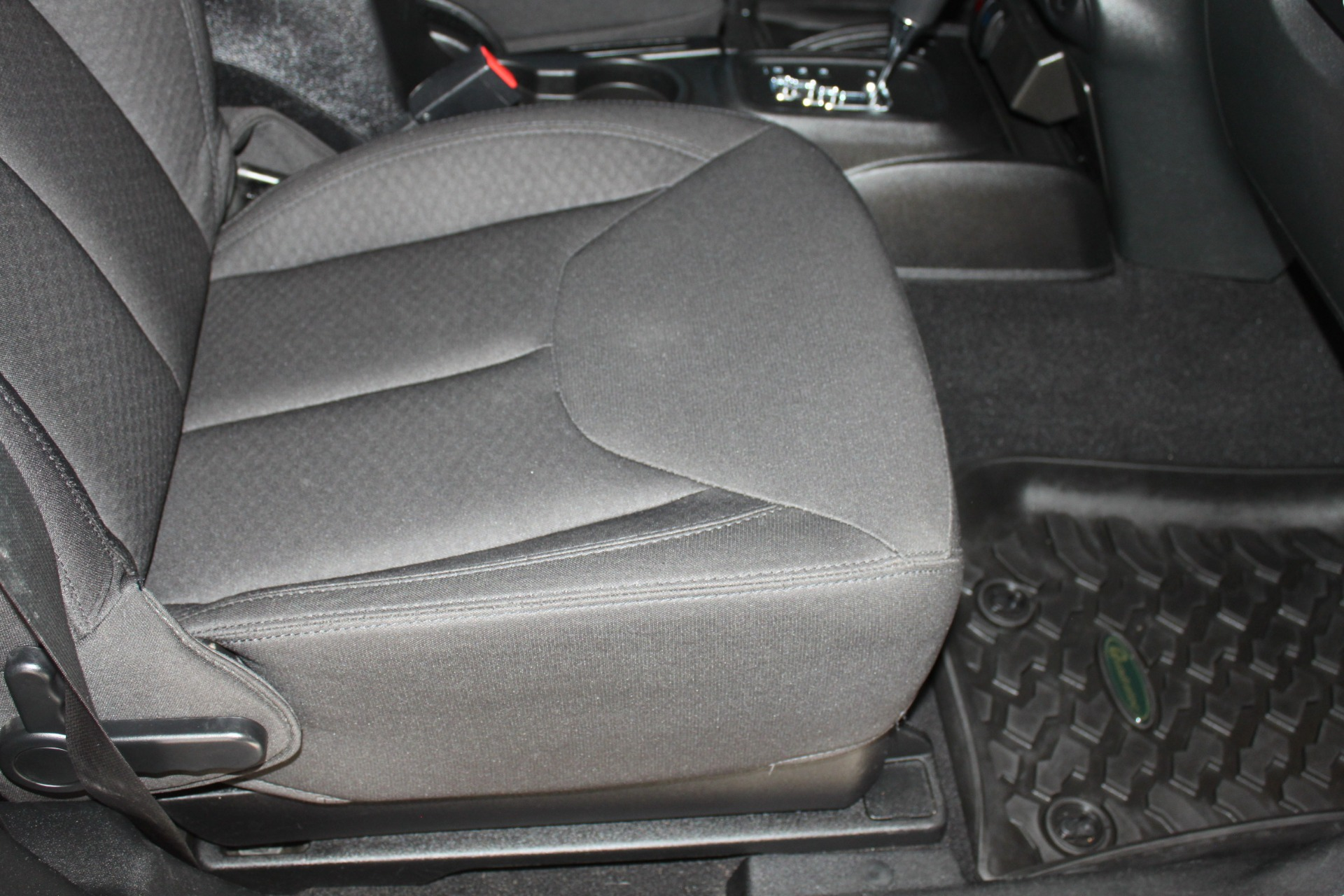 Used-2014-Jeep-Wrangler-Sport-4X4-Grand-Cherokee