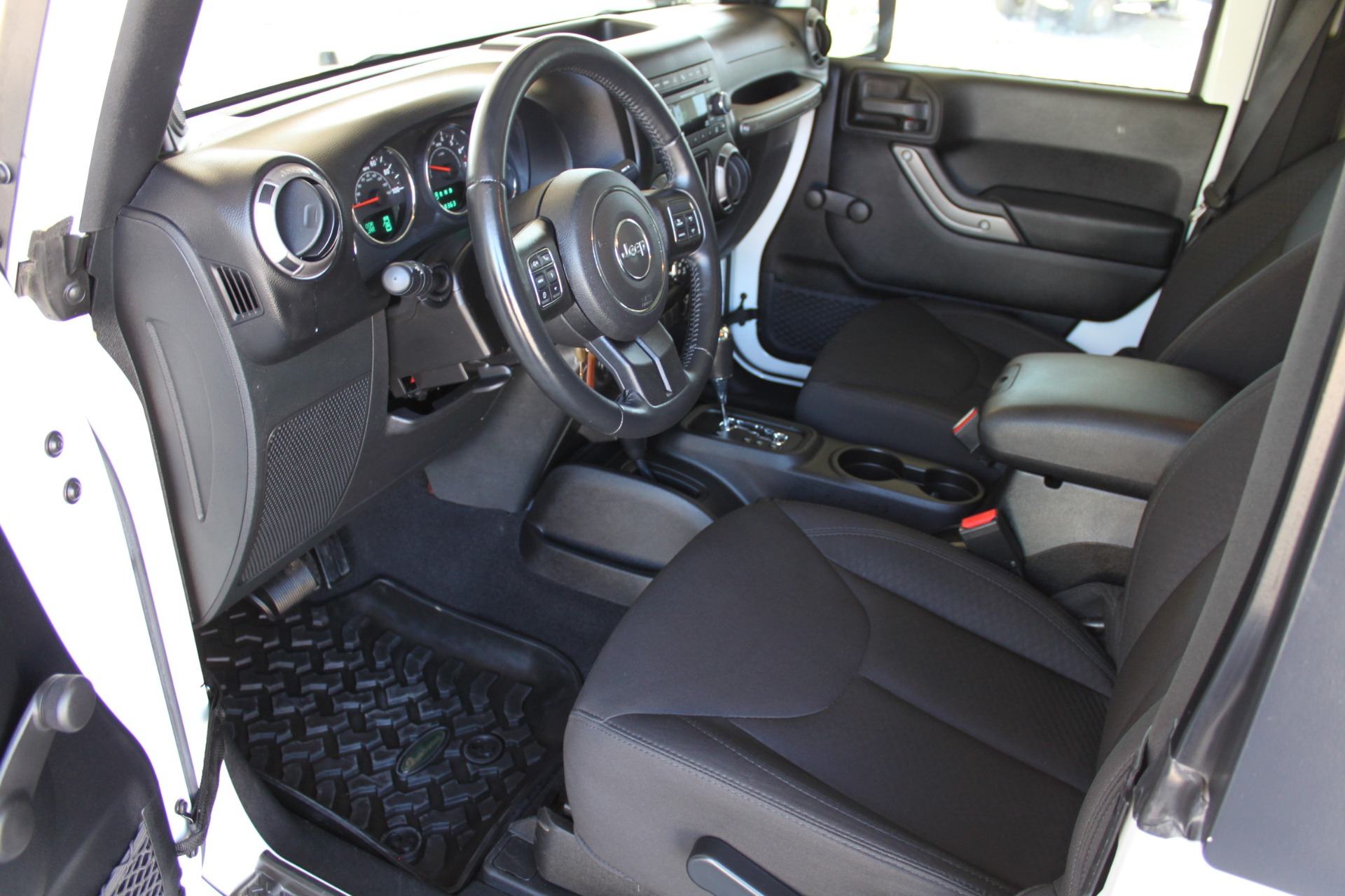 Used-2014-Jeep-Wrangler-Sport-4X4-vintage