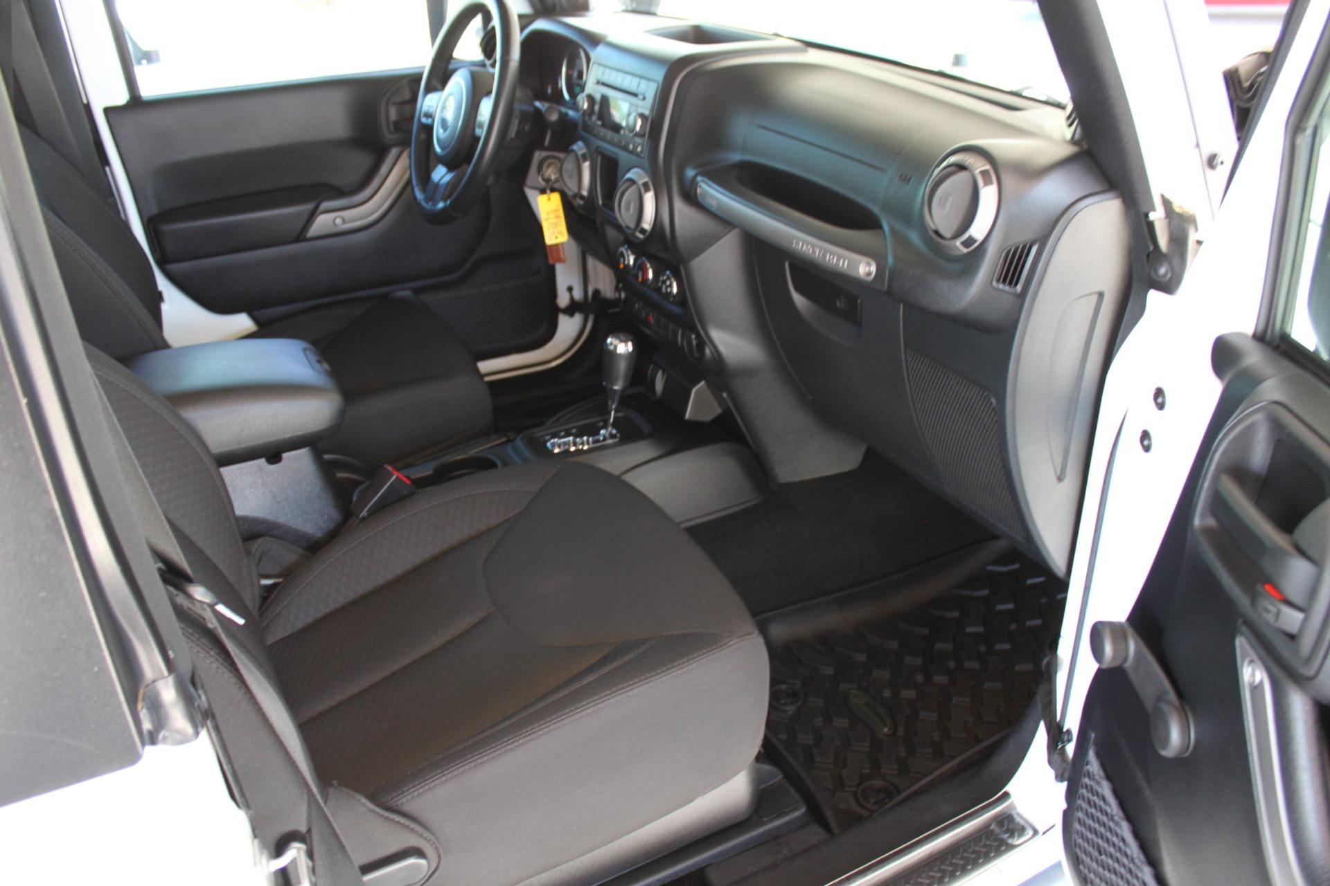 Used-2014-Jeep-Wrangler-Sport-4X4-Chrysler