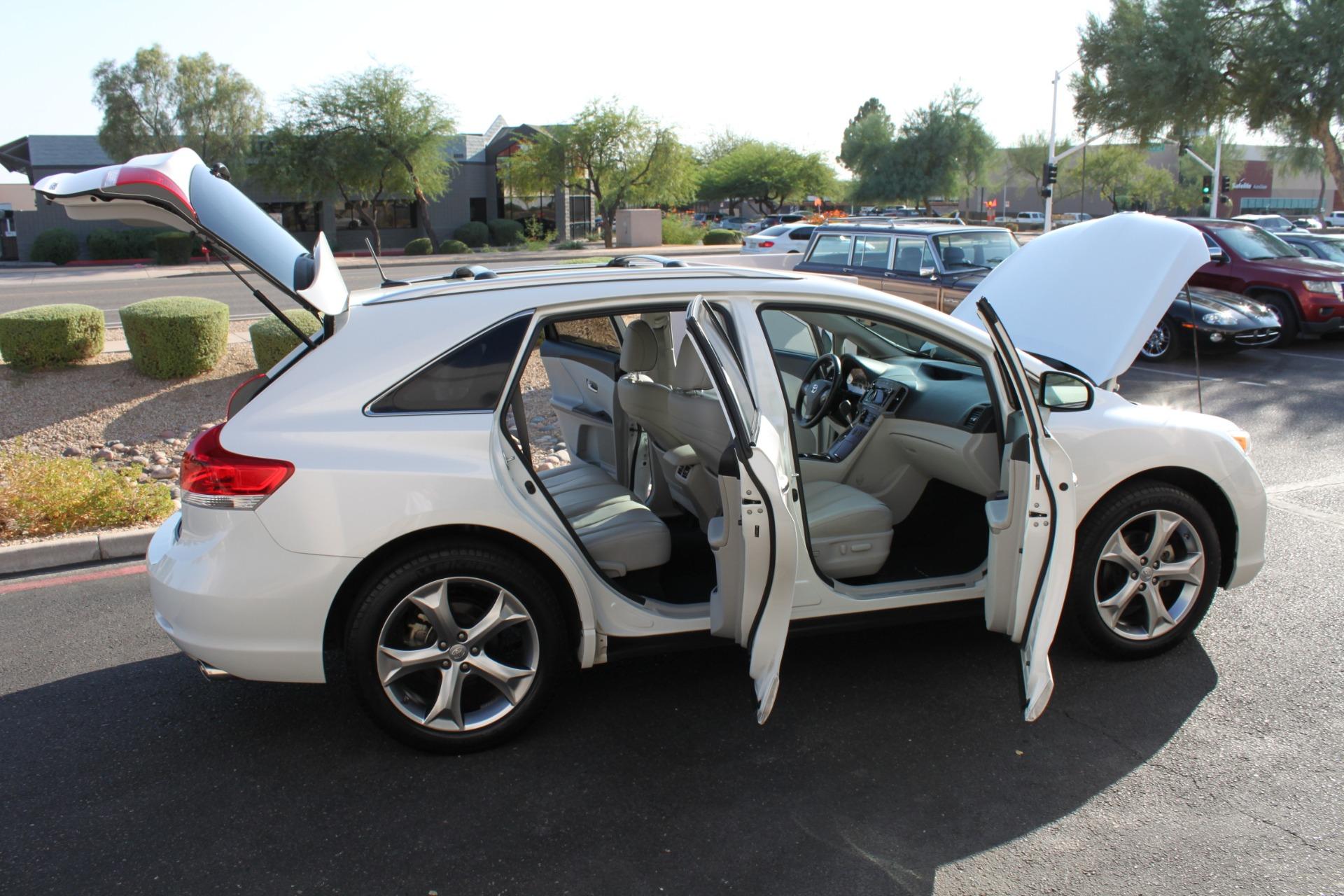 Used-2012-Toyota-Venza-XLE-Mini