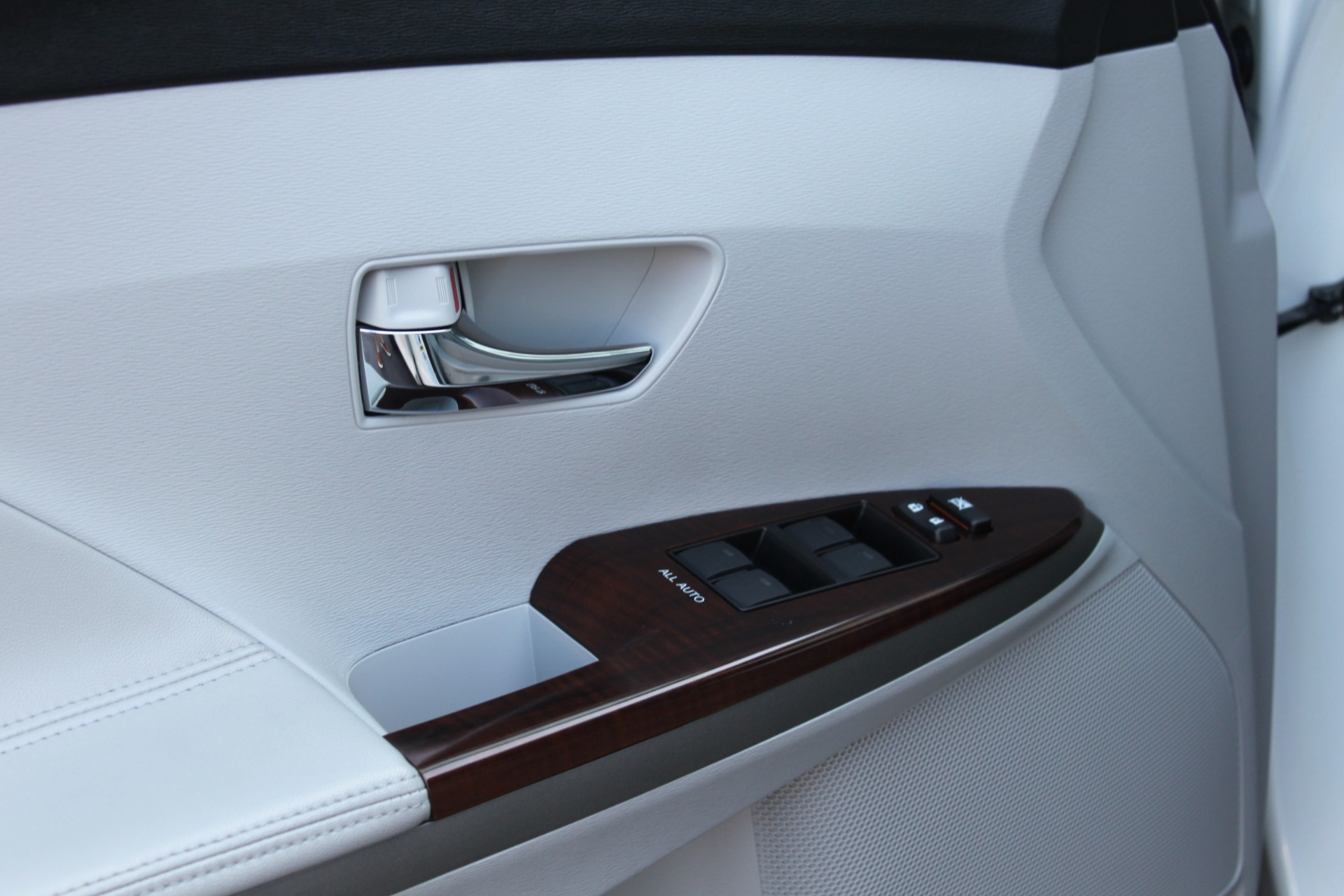 Used-2012-Toyota-Venza-XLE-Jaguar
