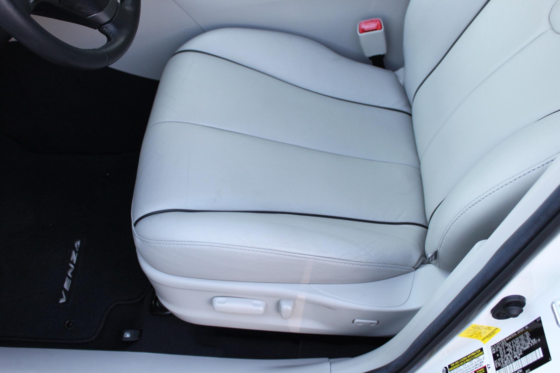 Used-2012-Toyota-Venza-XLE-Ferrari