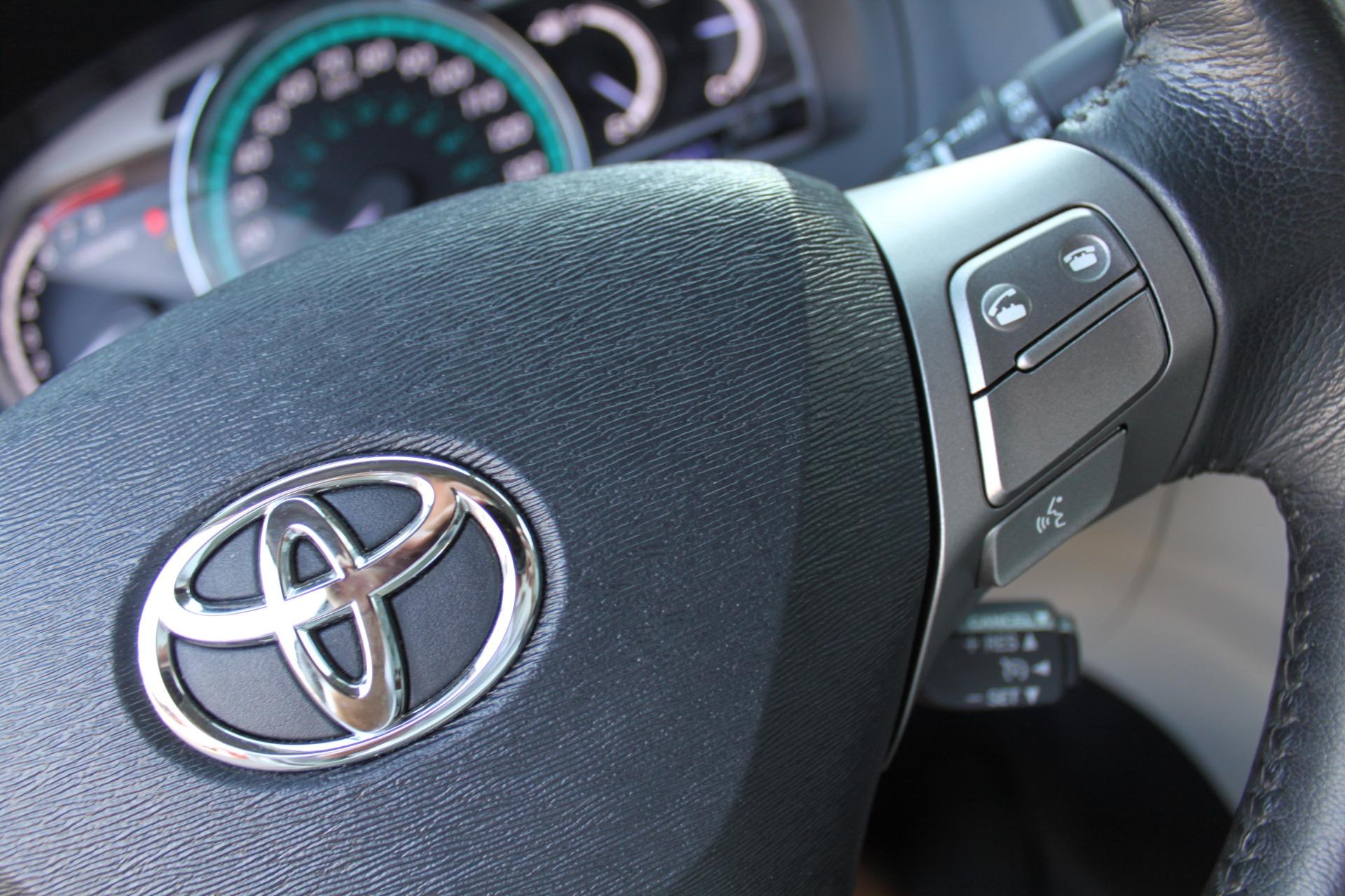 Used-2012-Toyota-Venza-XLE-Range-Rover