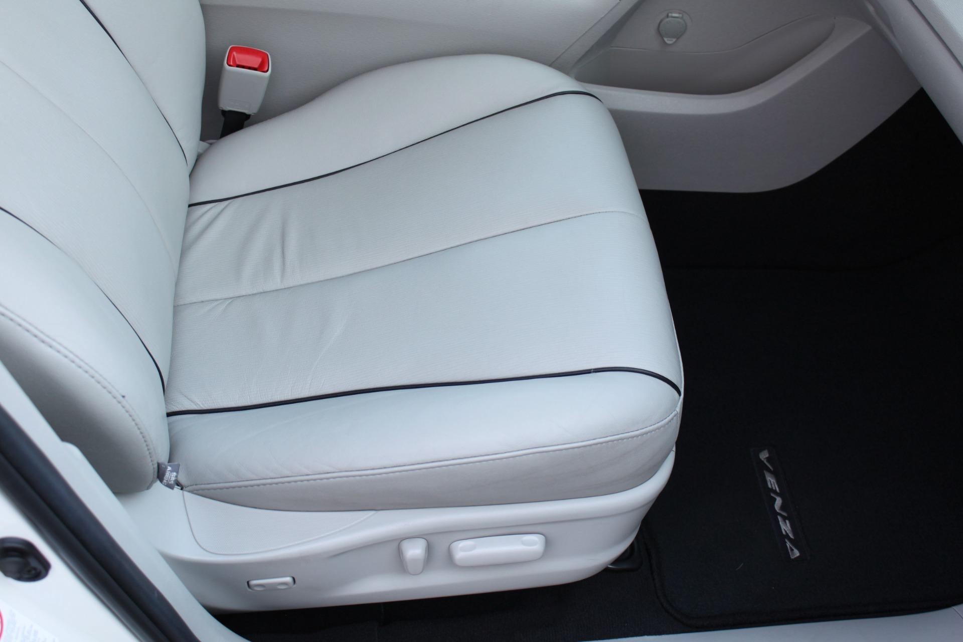 Used-2012-Toyota-Venza-XLE-Chrysler