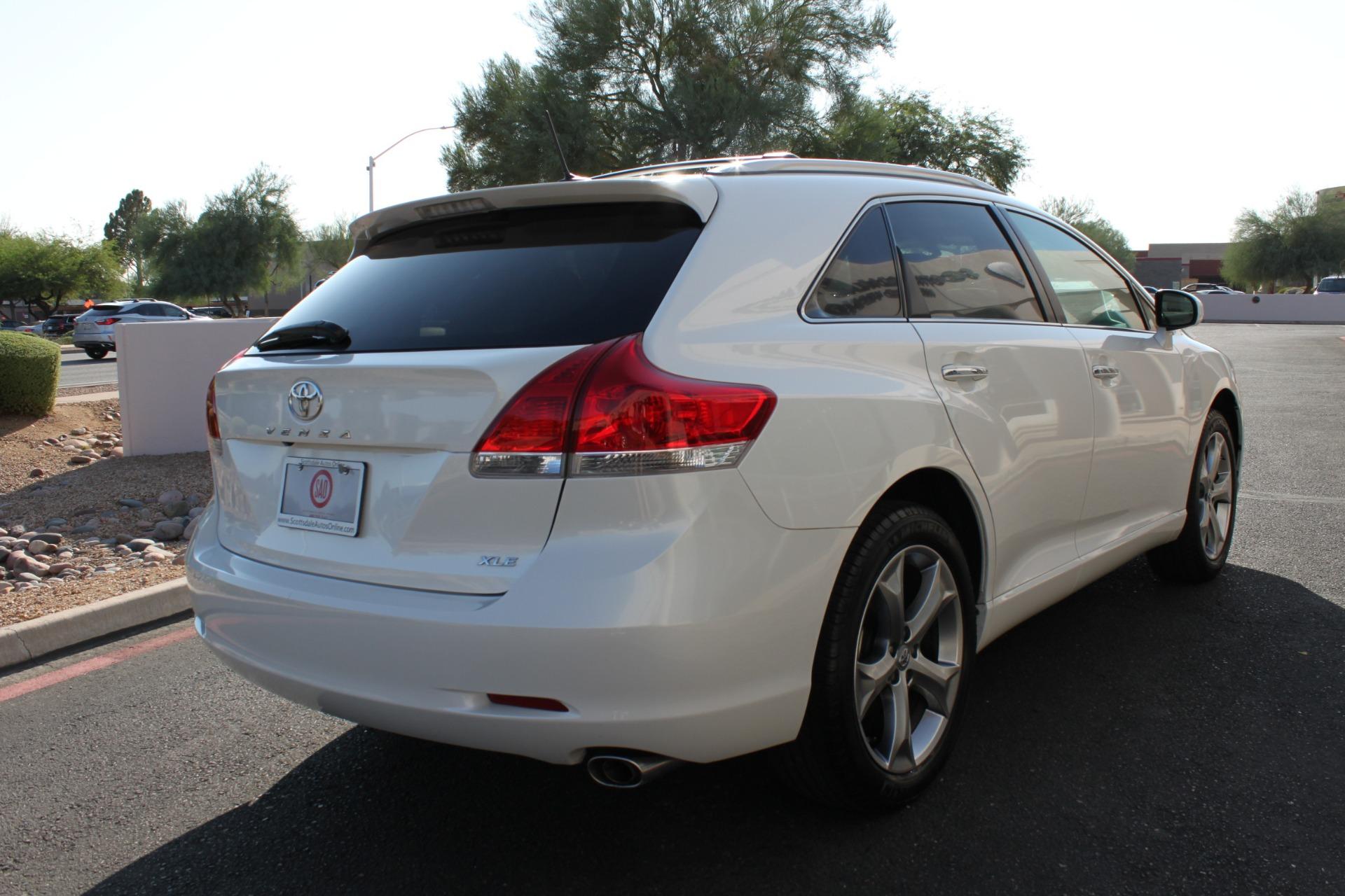 Used-2012-Toyota-Venza-XLE-Classic