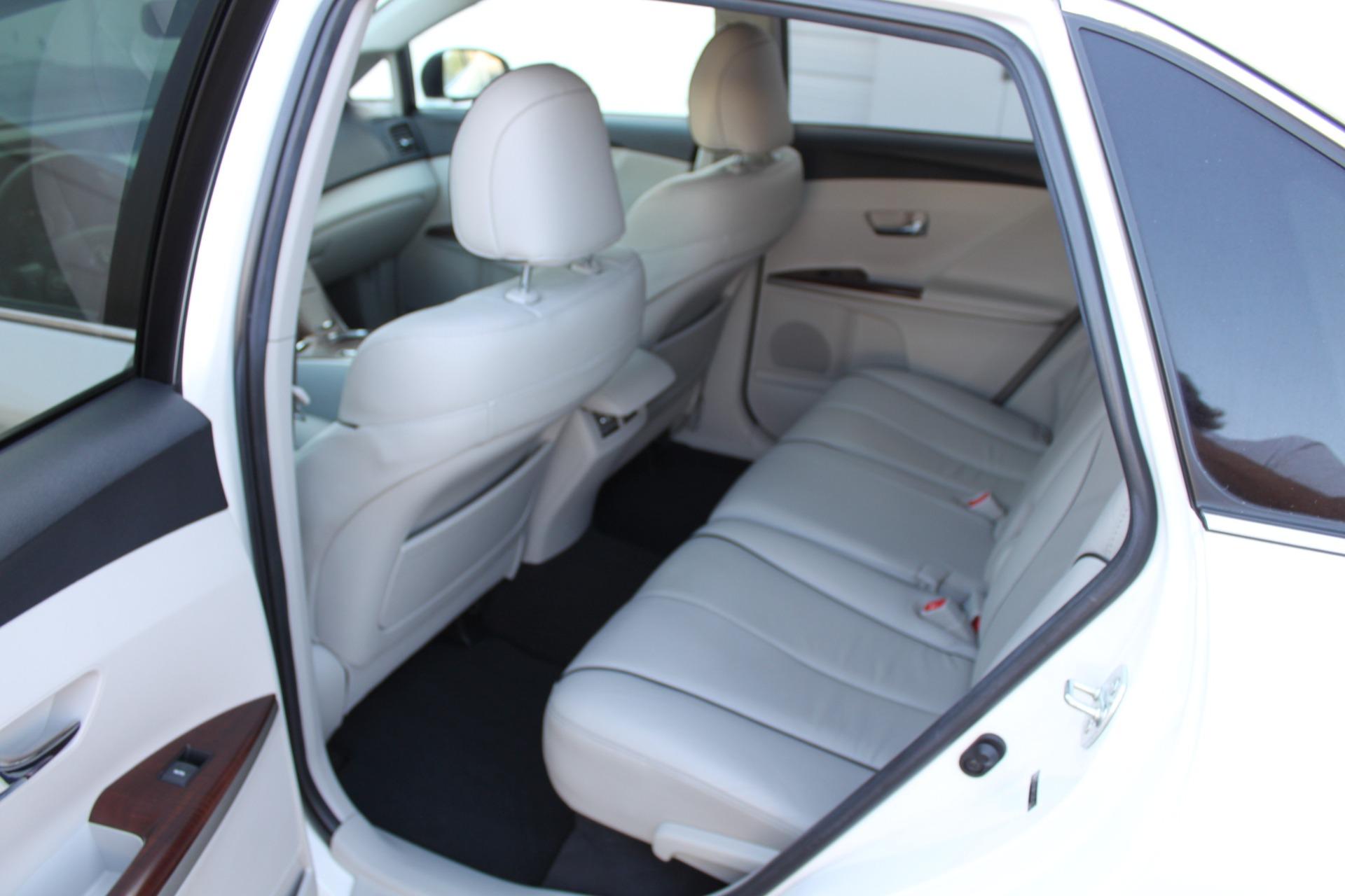 Used-2012-Toyota-Venza-XLE-Cherokee