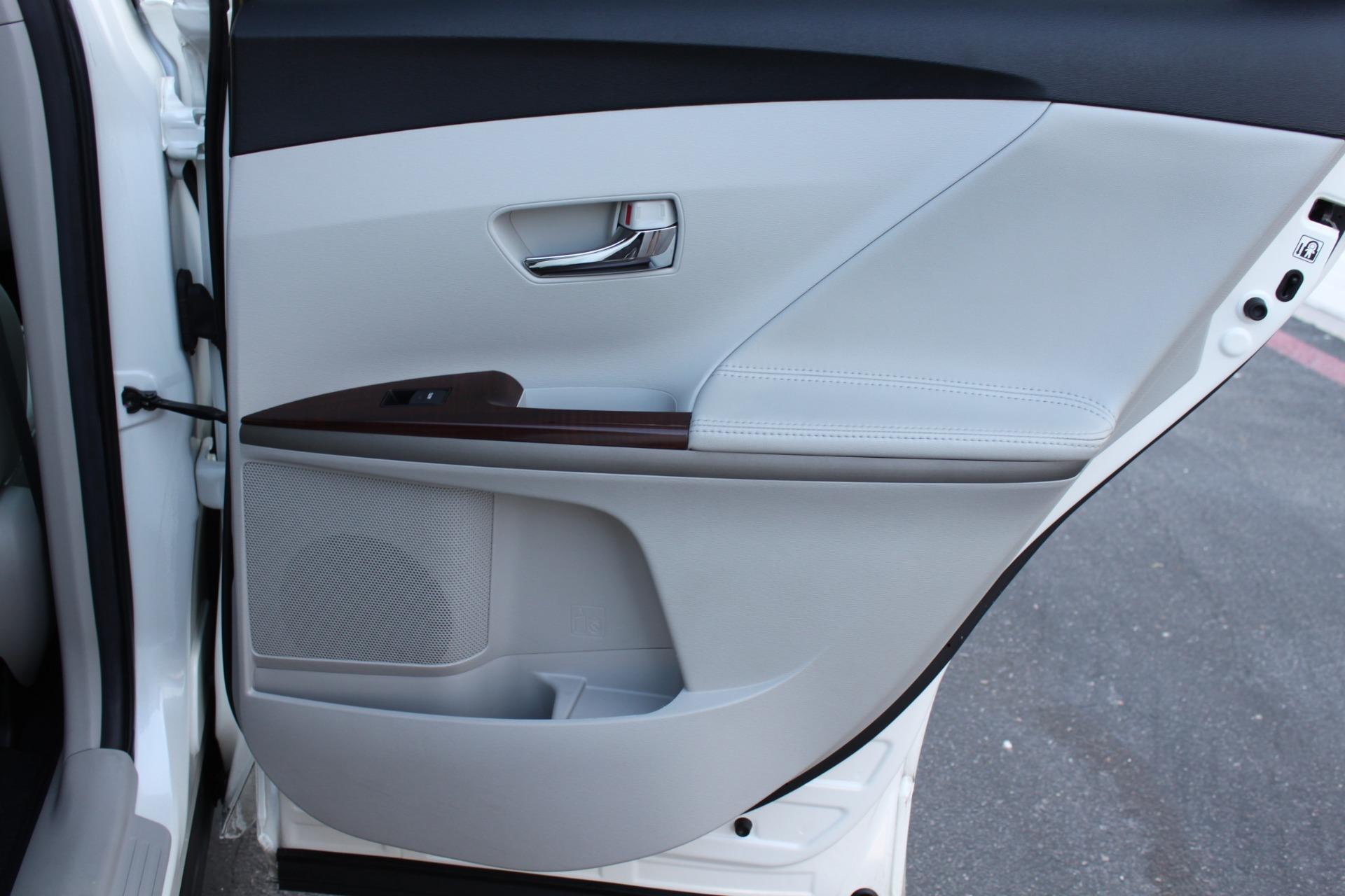 Used-2012-Toyota-Venza-XLE-4X4