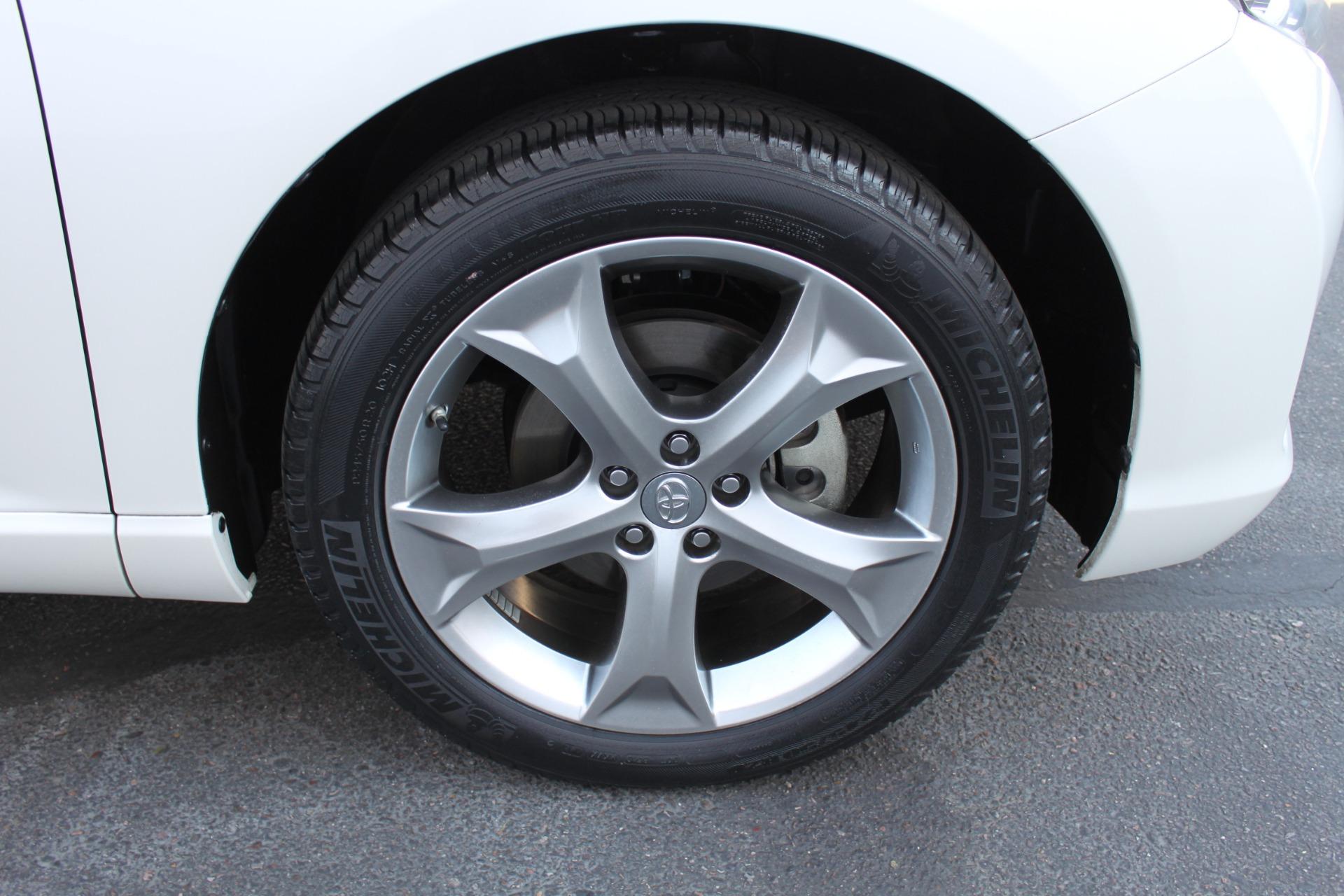 Used-2012-Toyota-Venza-XLE-LS400