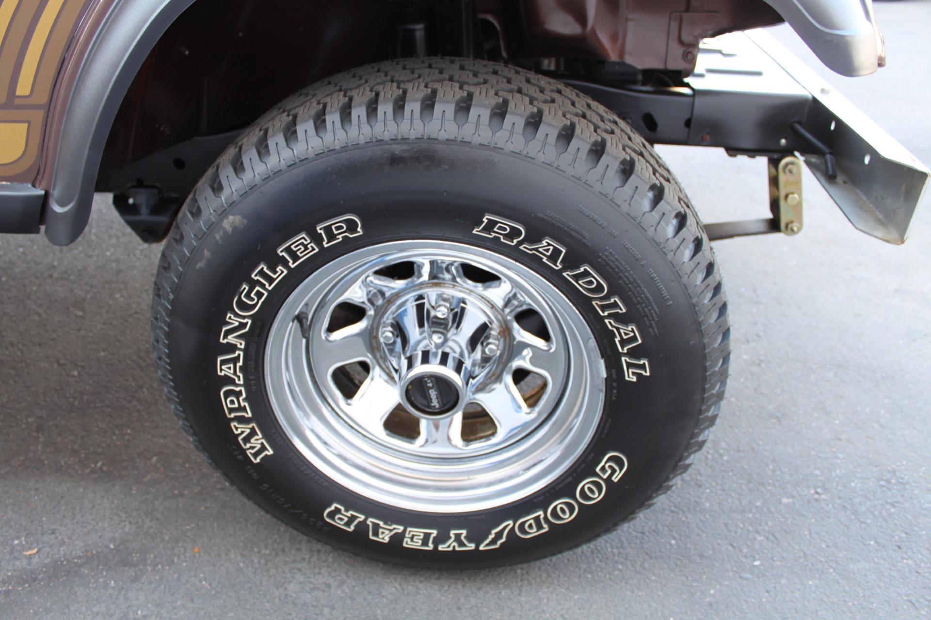 Used-1985-Jeep-CJ-7-Laredo-4WD-Tesla