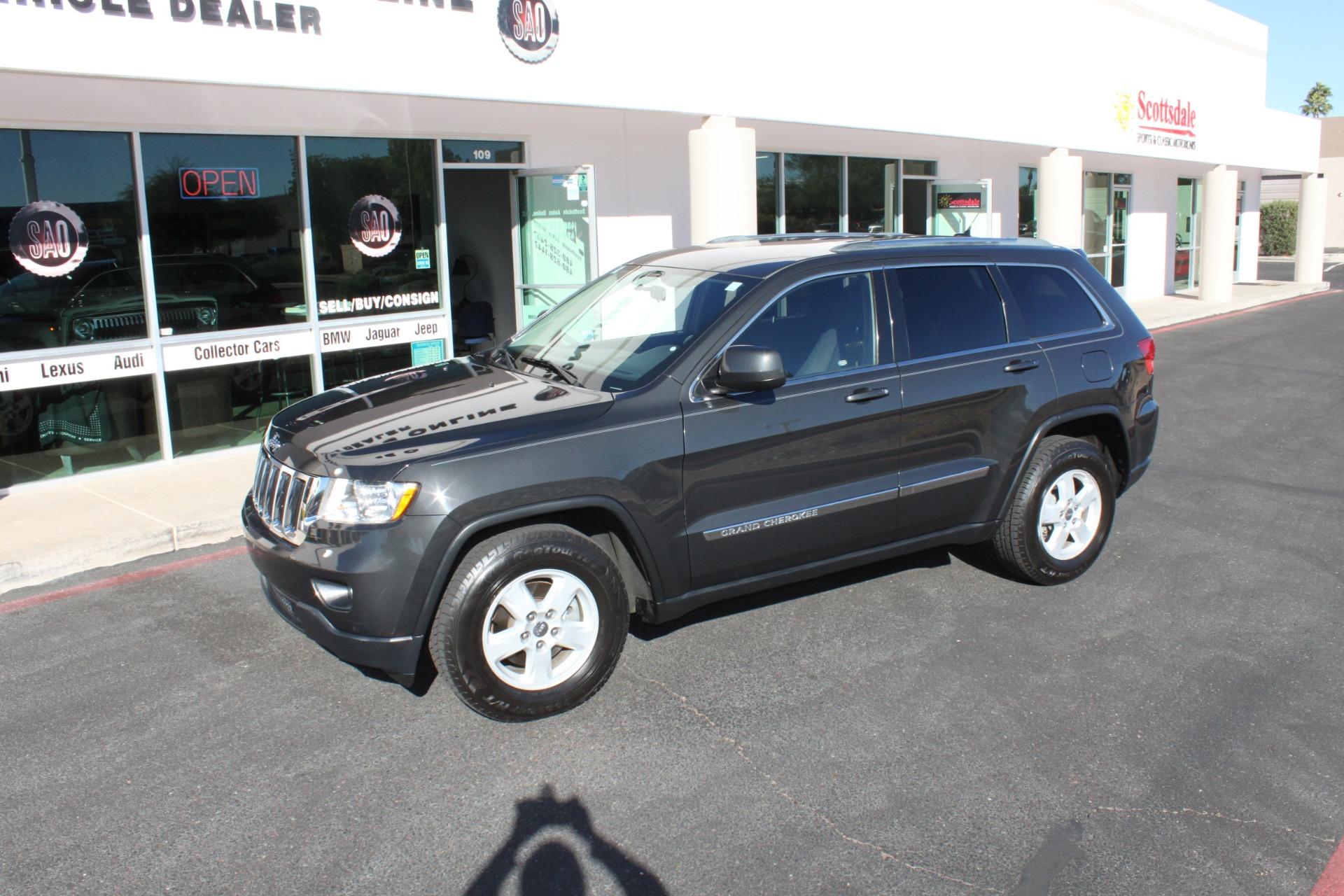 Used-2011-Jeep-Grand-Cherokee-Laredo-Acura