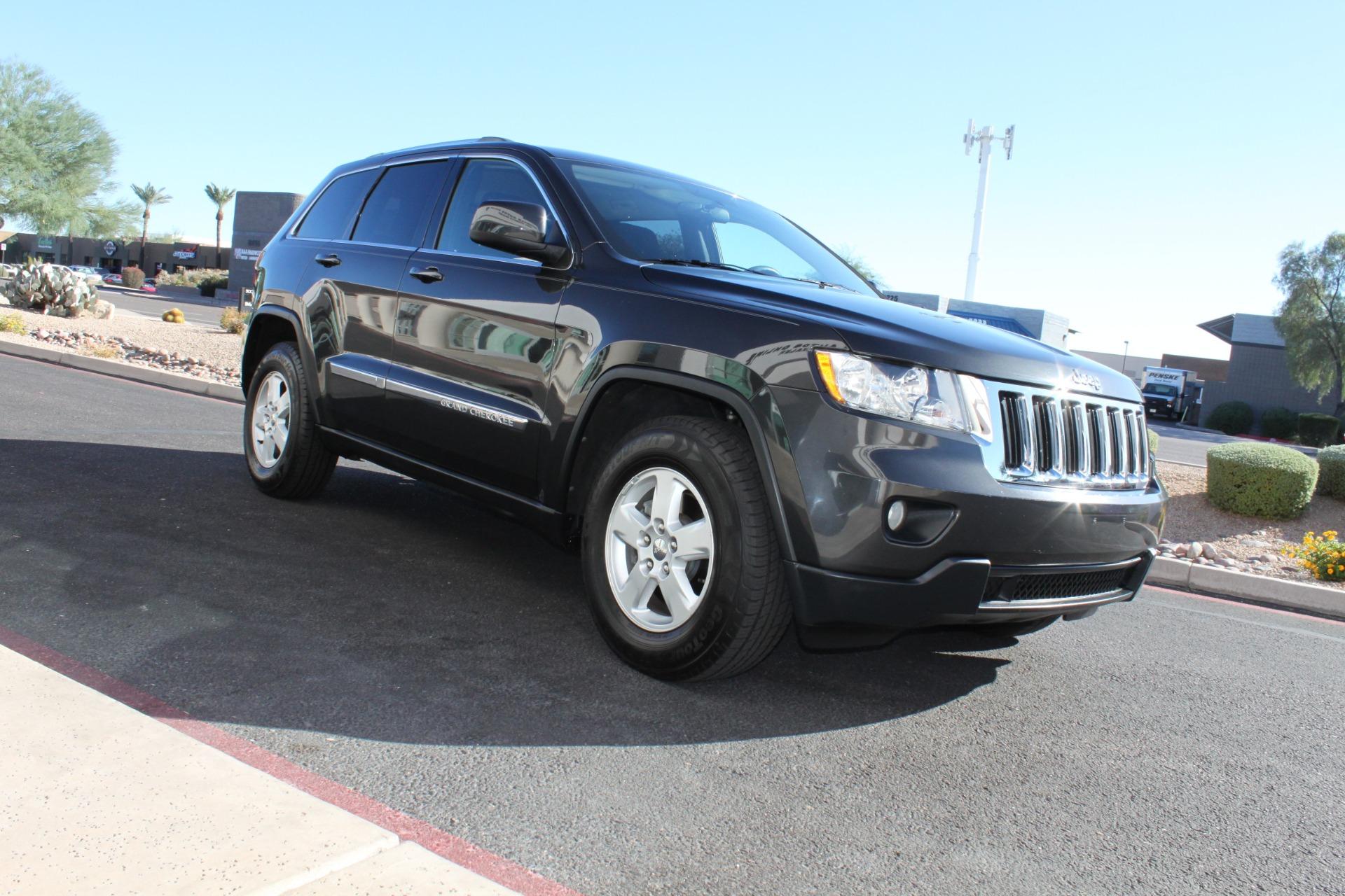 Used-2011-Jeep-Grand-Cherokee-Laredo-Chevrolet