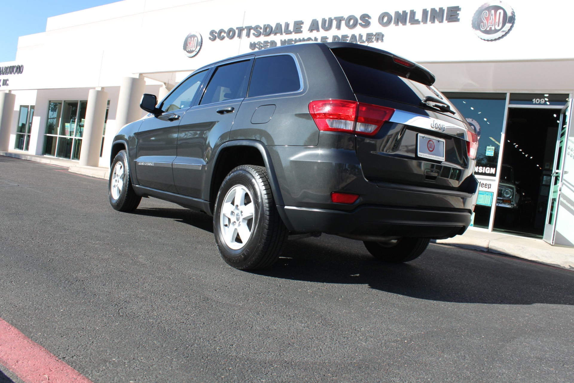 Used-2011-Jeep-Grand-Cherokee-Laredo-Dodge