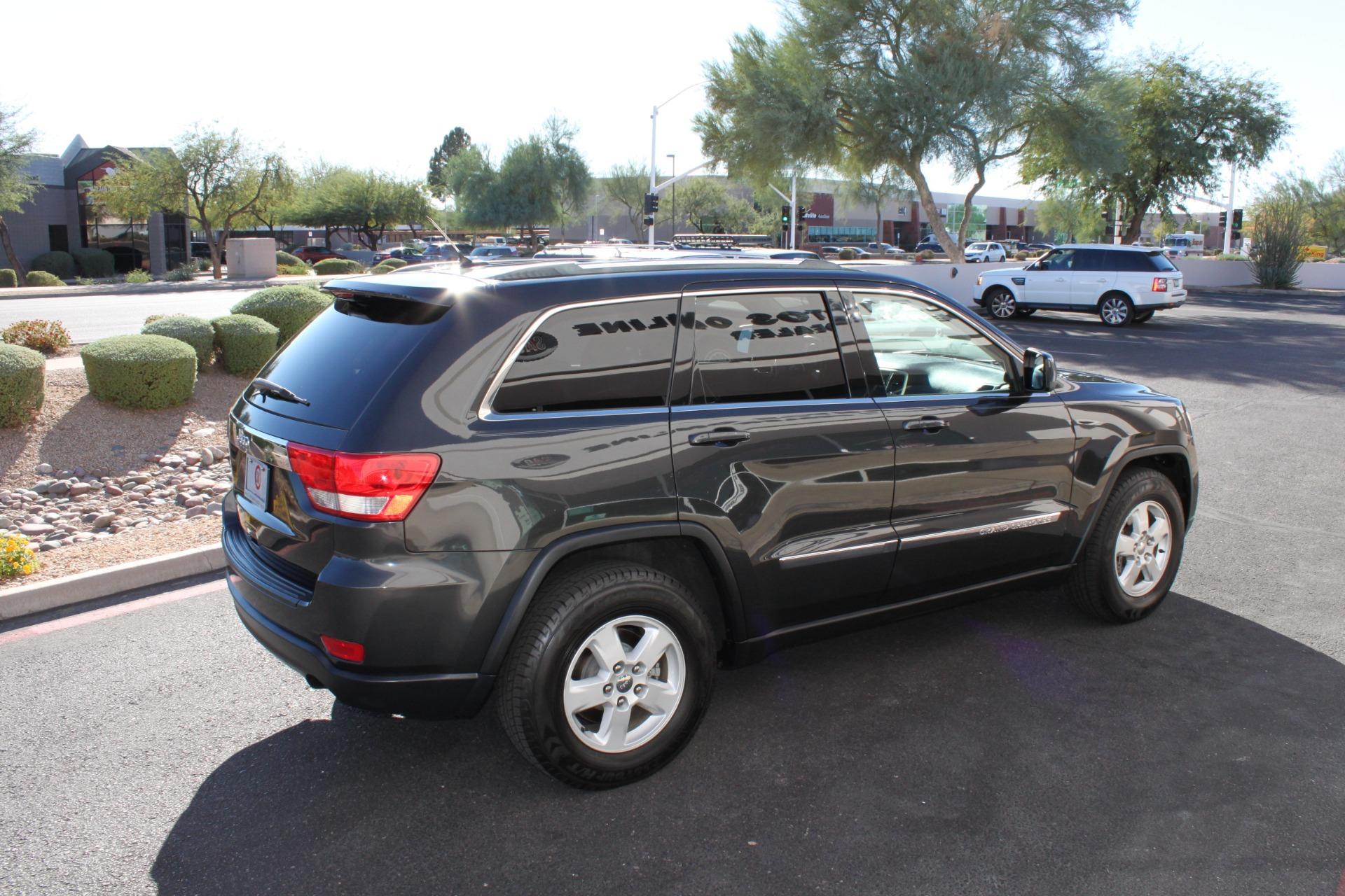 Used-2011-Jeep-Grand-Cherokee-Laredo-Chevelle