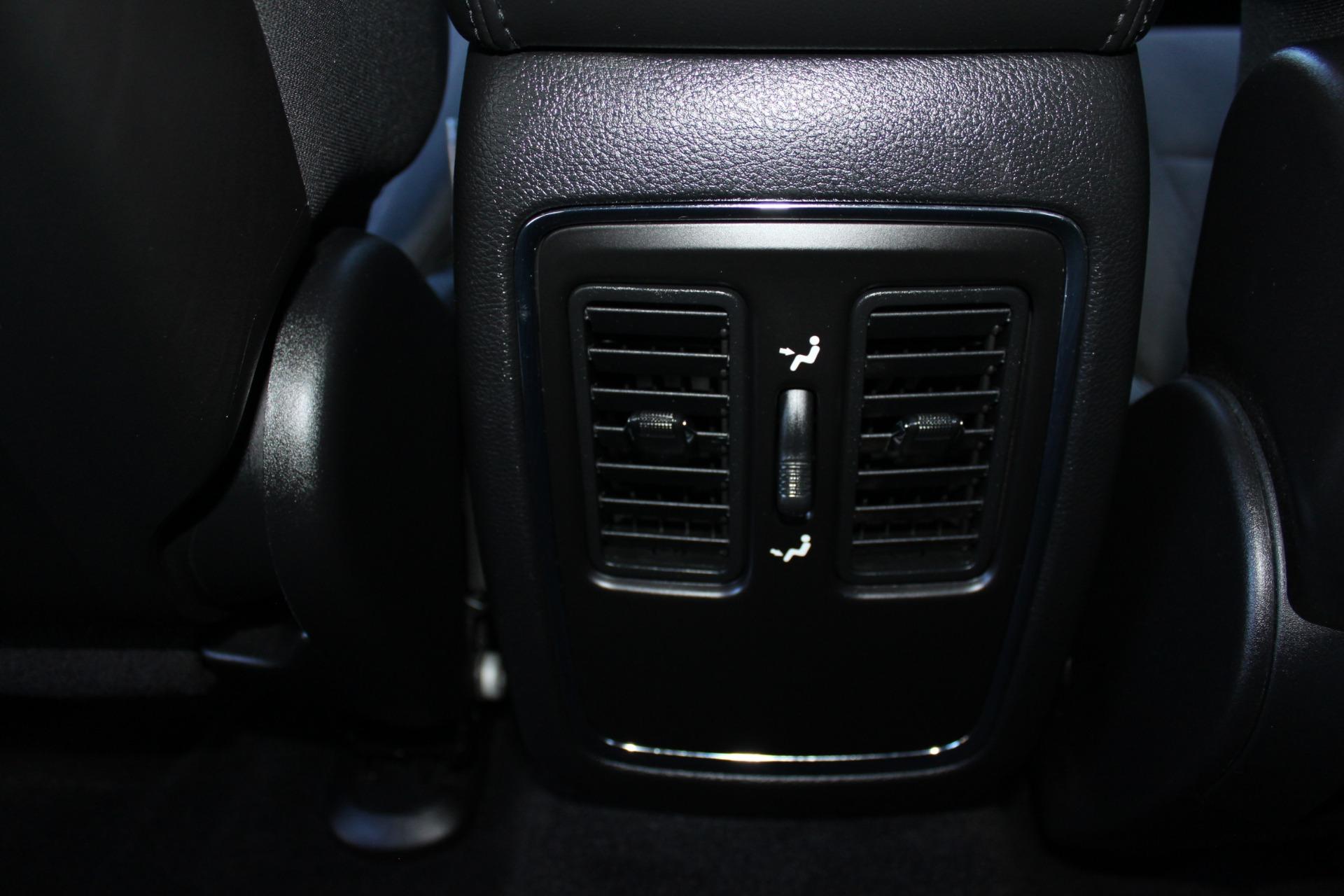 Used-2011-Jeep-Grand-Cherokee-Laredo-Cherokee