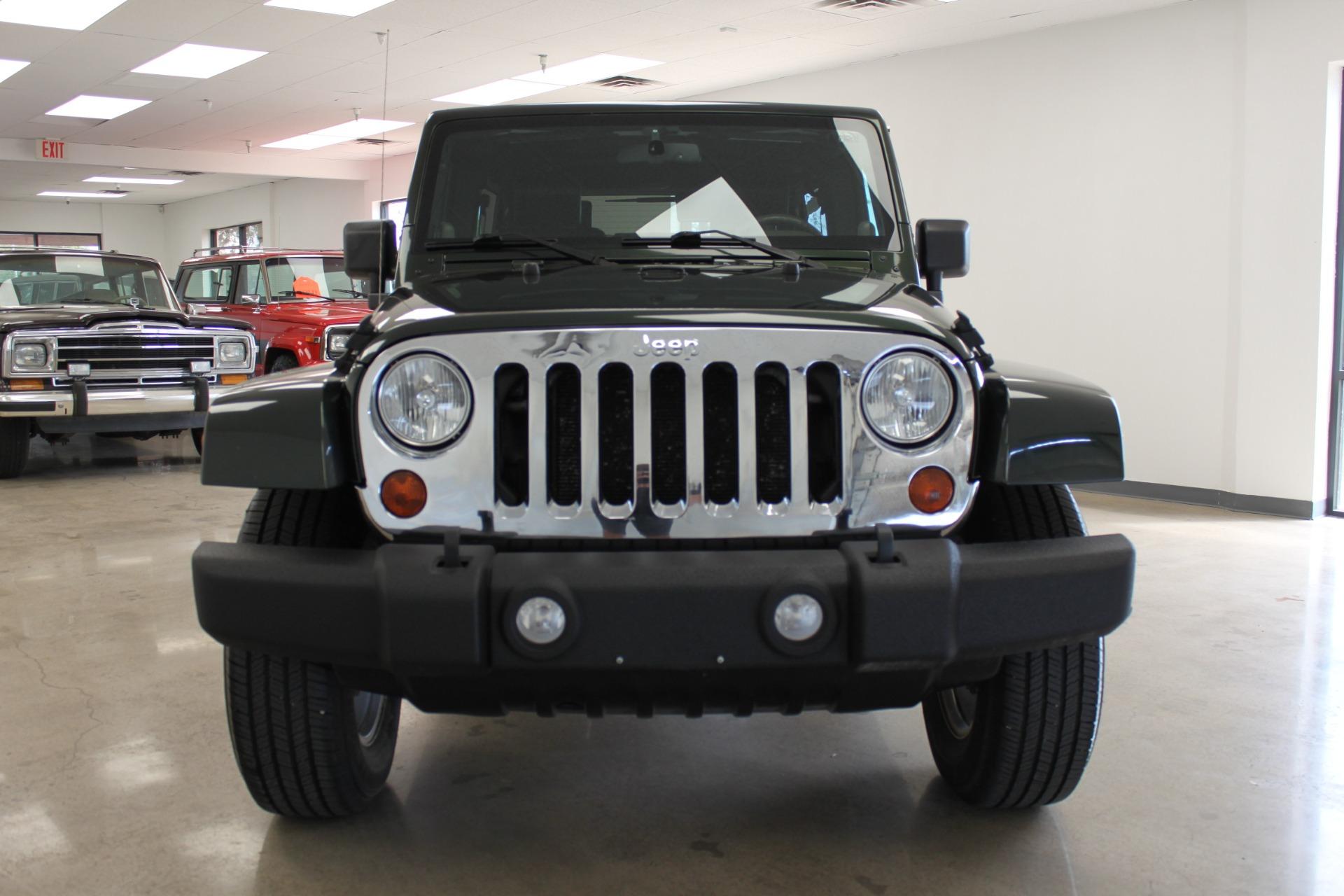 Used-2010-Jeep-Wrangler-Unlimited-Sahara-4X4