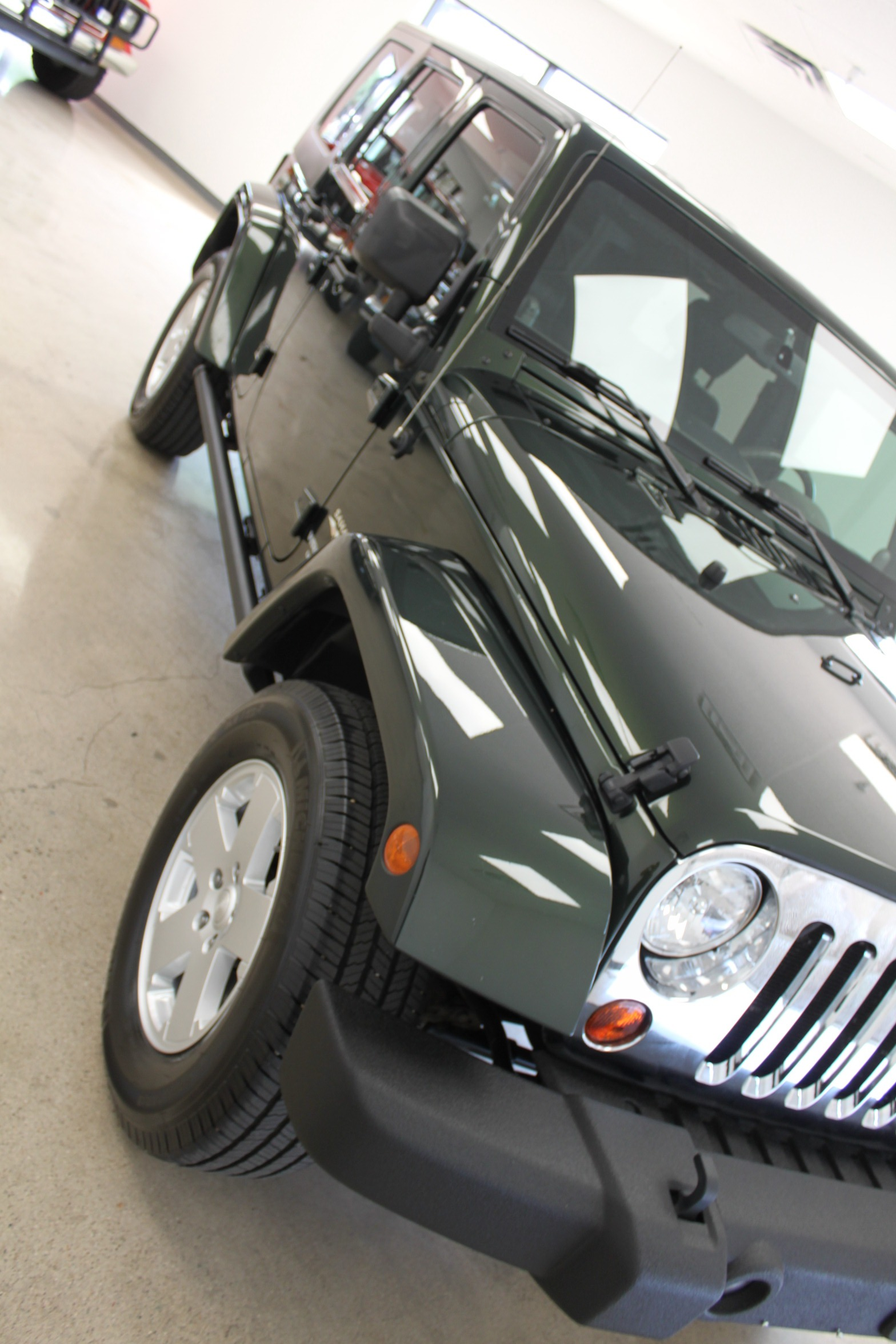 Used-2010-Jeep-Wrangler-Unlimited-Sahara-4X4-Cherokee