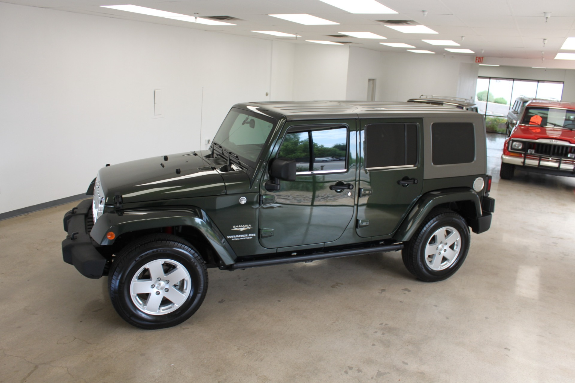 Used-2010-Jeep-Wrangler-Unlimited-Sahara-4X4-Acura