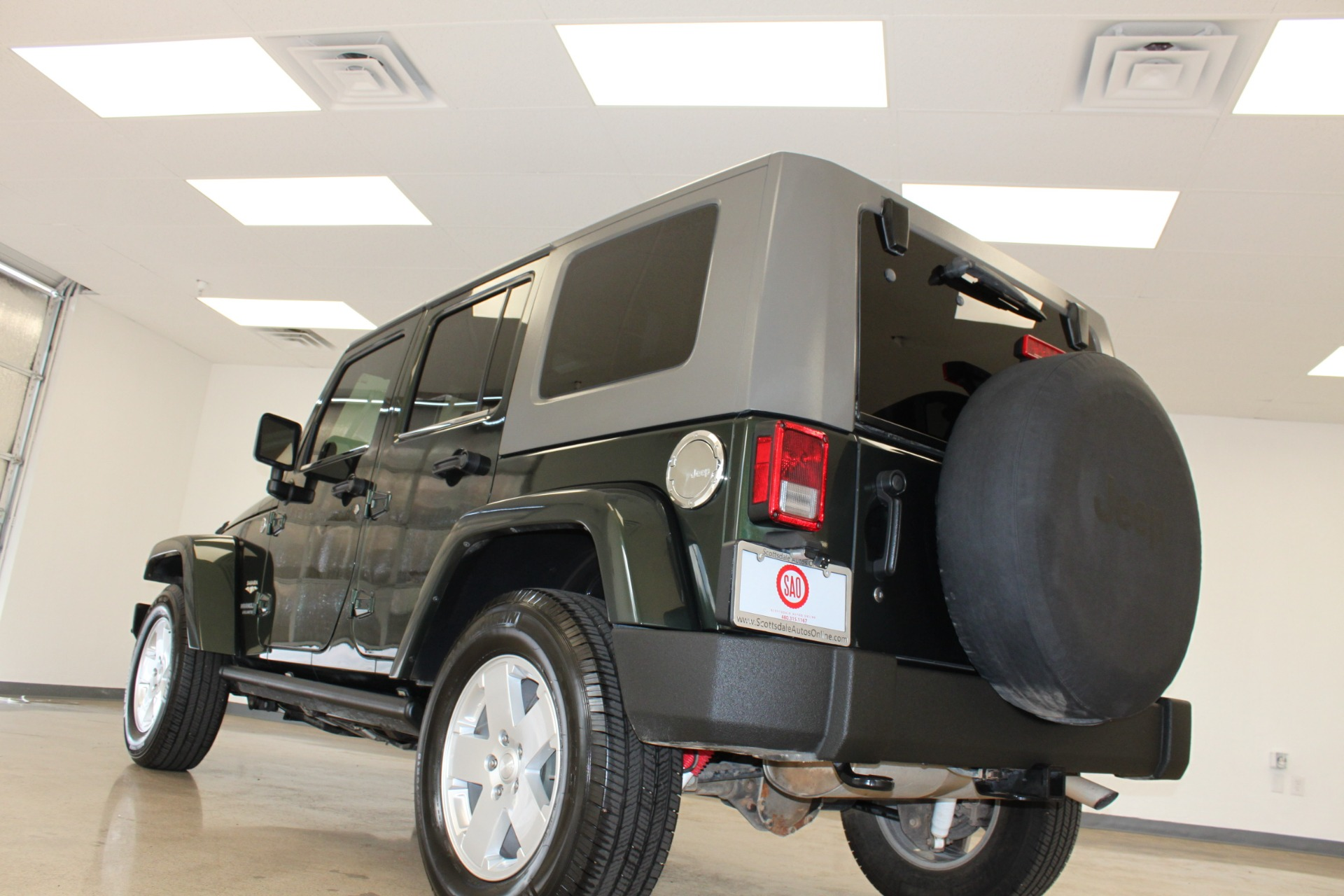 Used-2010-Jeep-Wrangler-Unlimited-Sahara-4X4-Chalenger