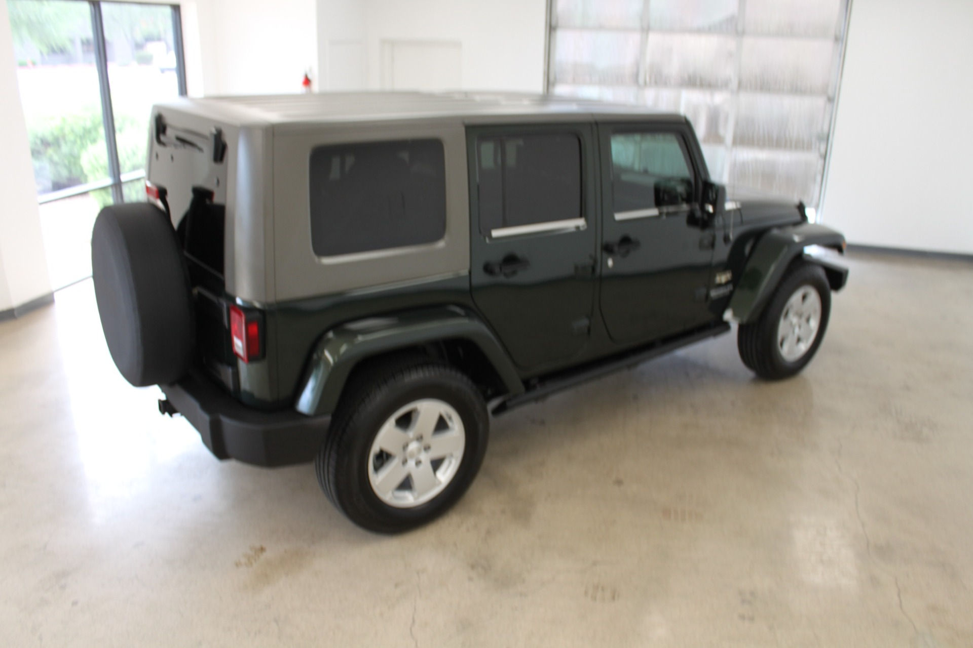 Used-2010-Jeep-Wrangler-Unlimited-Sahara-4X4-Chalenger