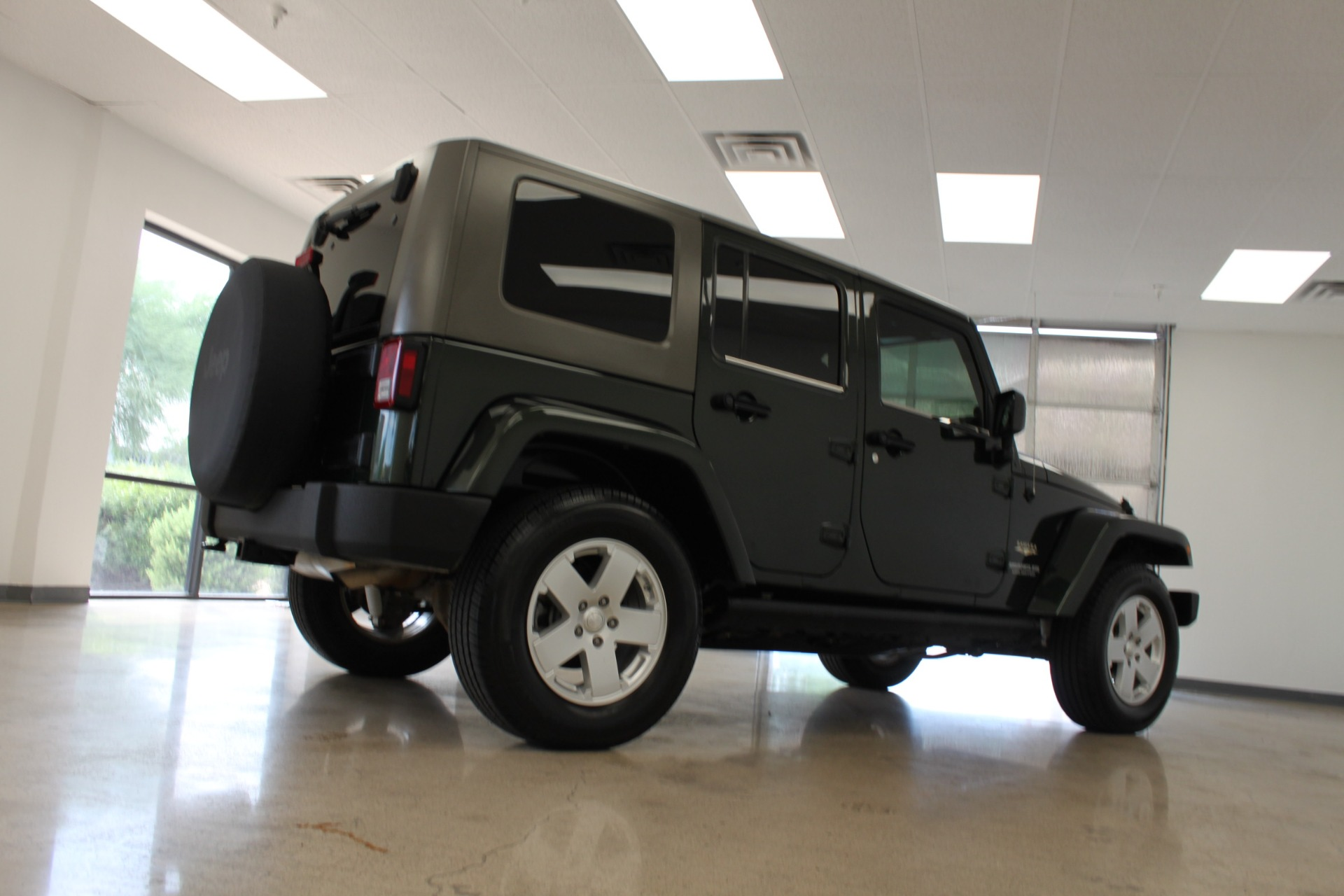 Used-2010-Jeep-Wrangler-Unlimited-Sahara-4X4-Dodge