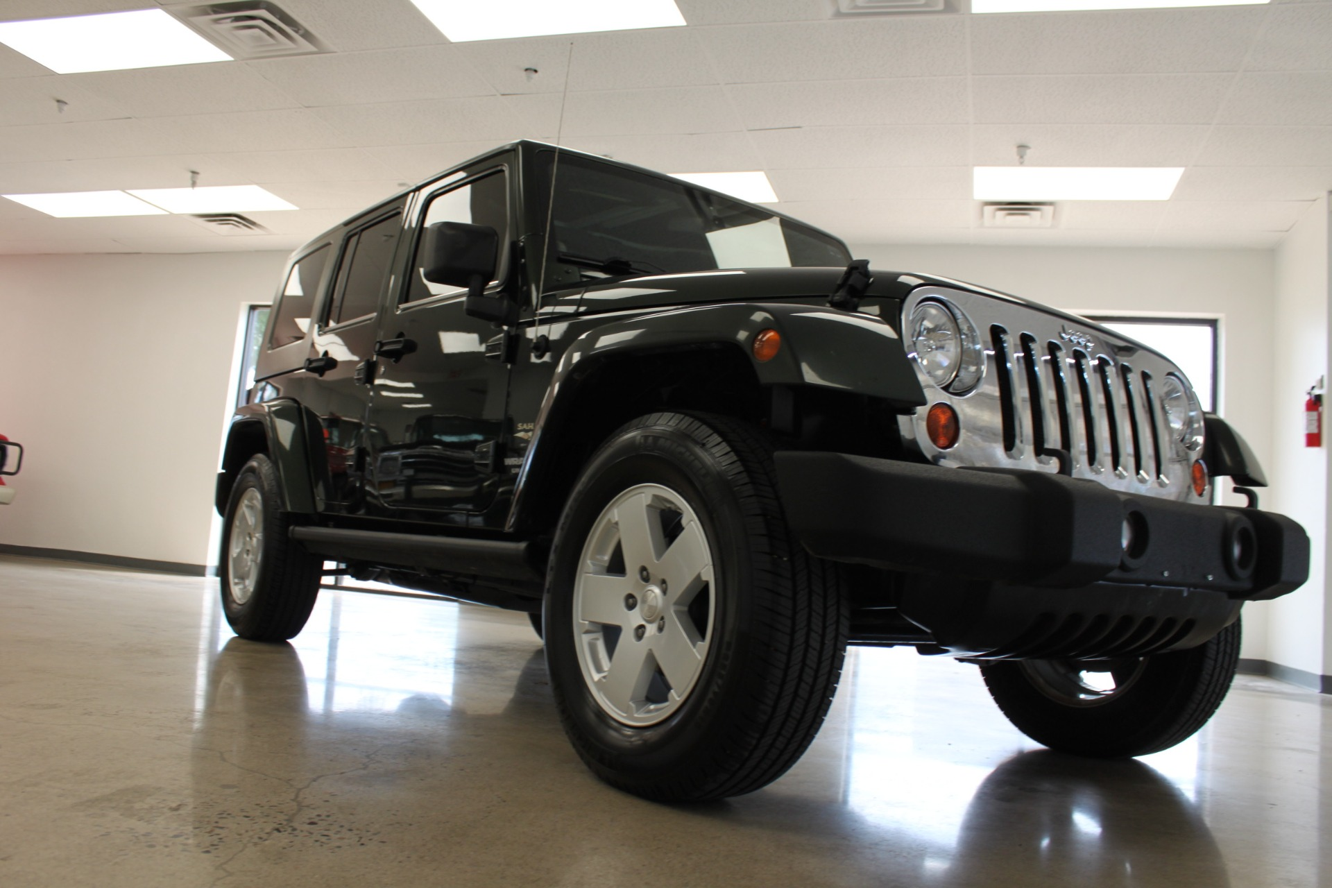 Used-2010-Jeep-Wrangler-Unlimited-Sahara-4X4-Fiat