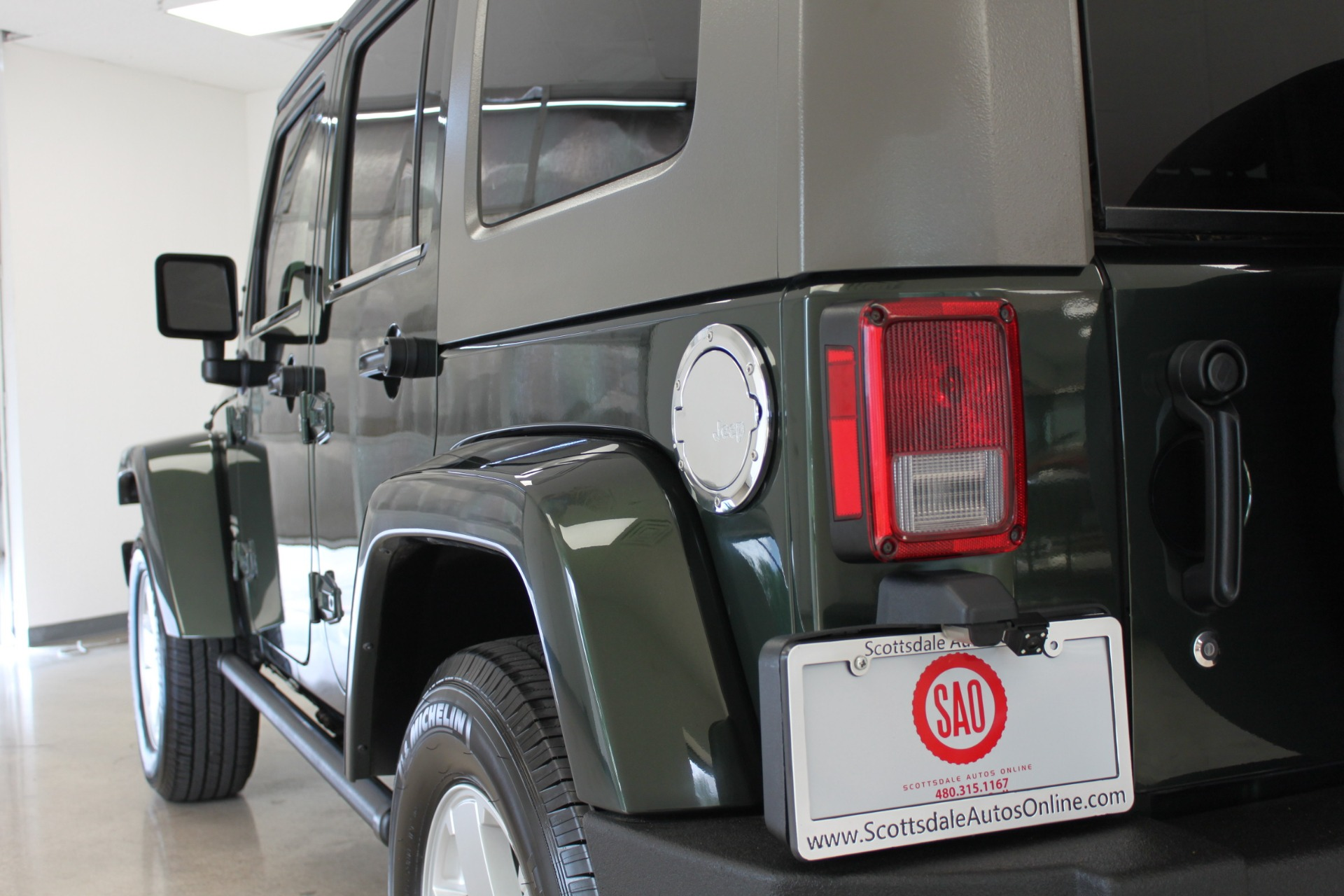 Used-2010-Jeep-Wrangler-Unlimited-Sahara-4X4-LS430