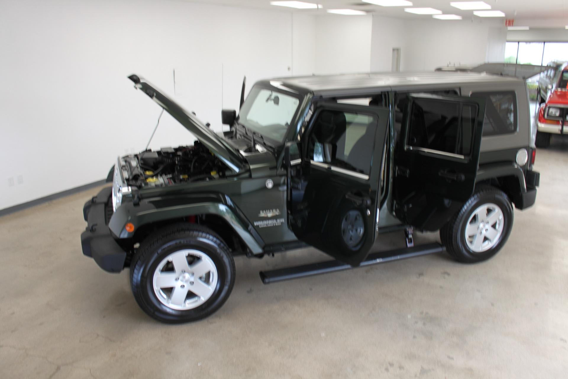 Used-2010-Jeep-Wrangler-Unlimited-Sahara-4X4-Mini