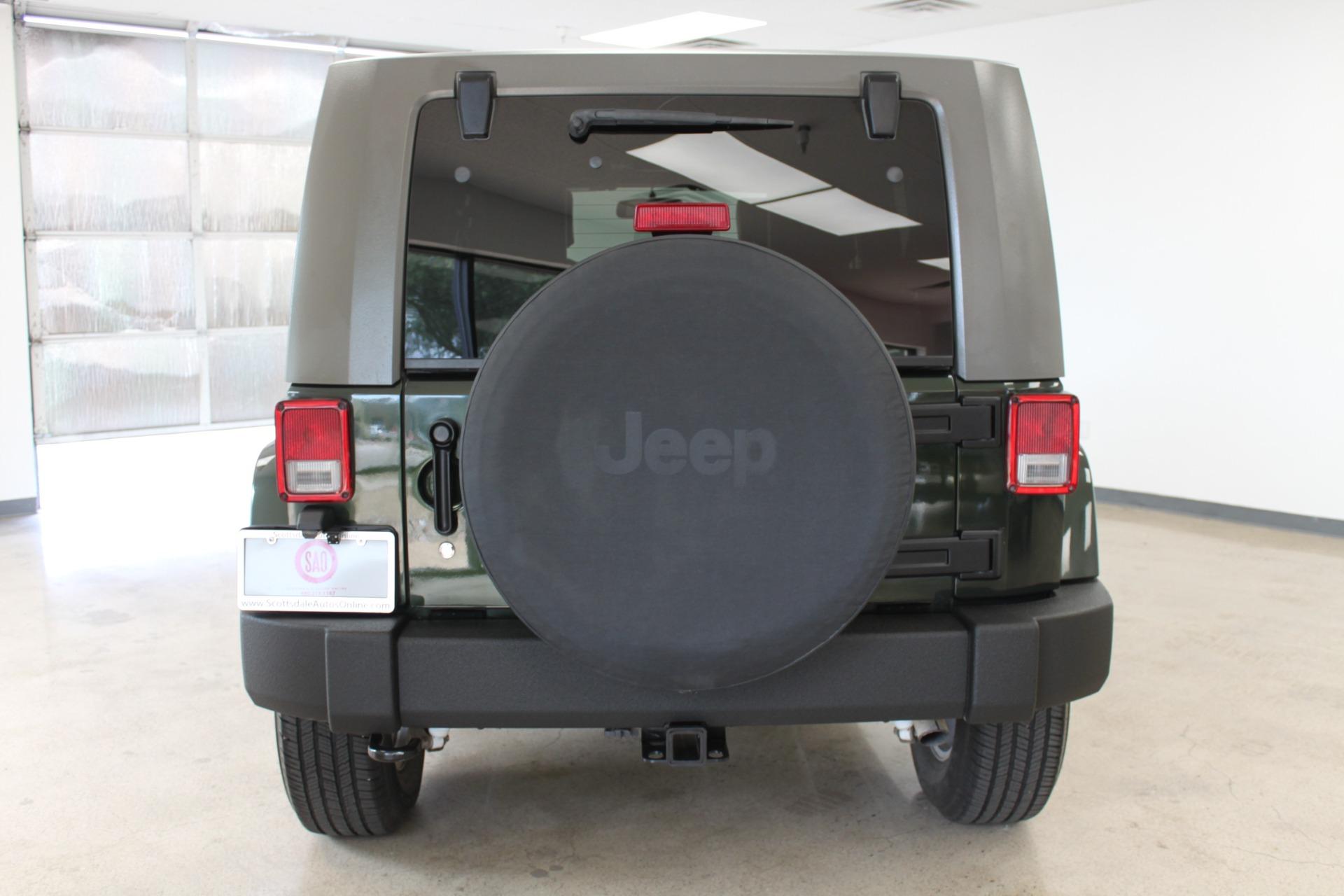 Used-2010-Jeep-Wrangler-Unlimited-Sahara-4X4-Classic