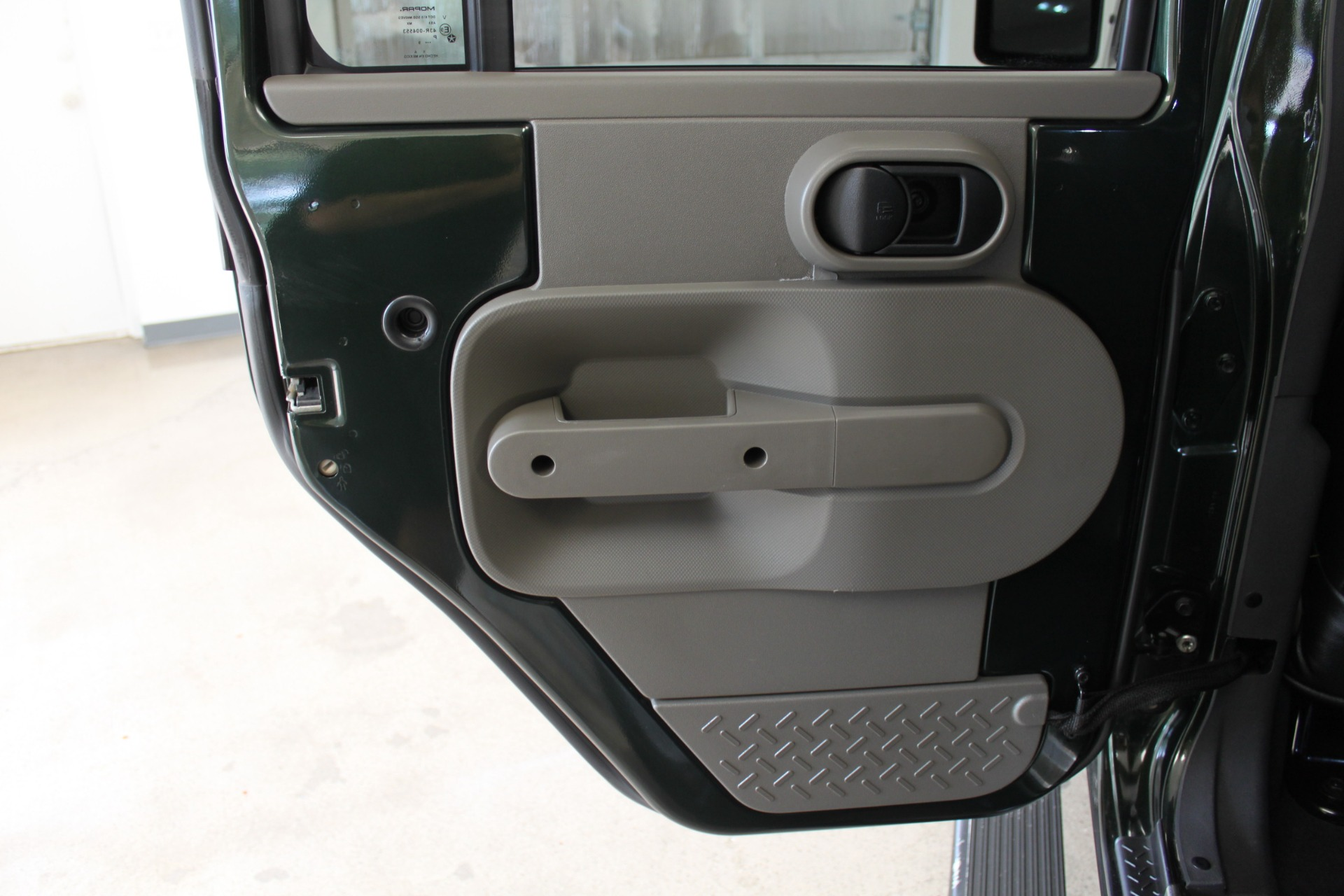 Used-2010-Jeep-Wrangler-Unlimited-Sahara-4X4-Cherokee