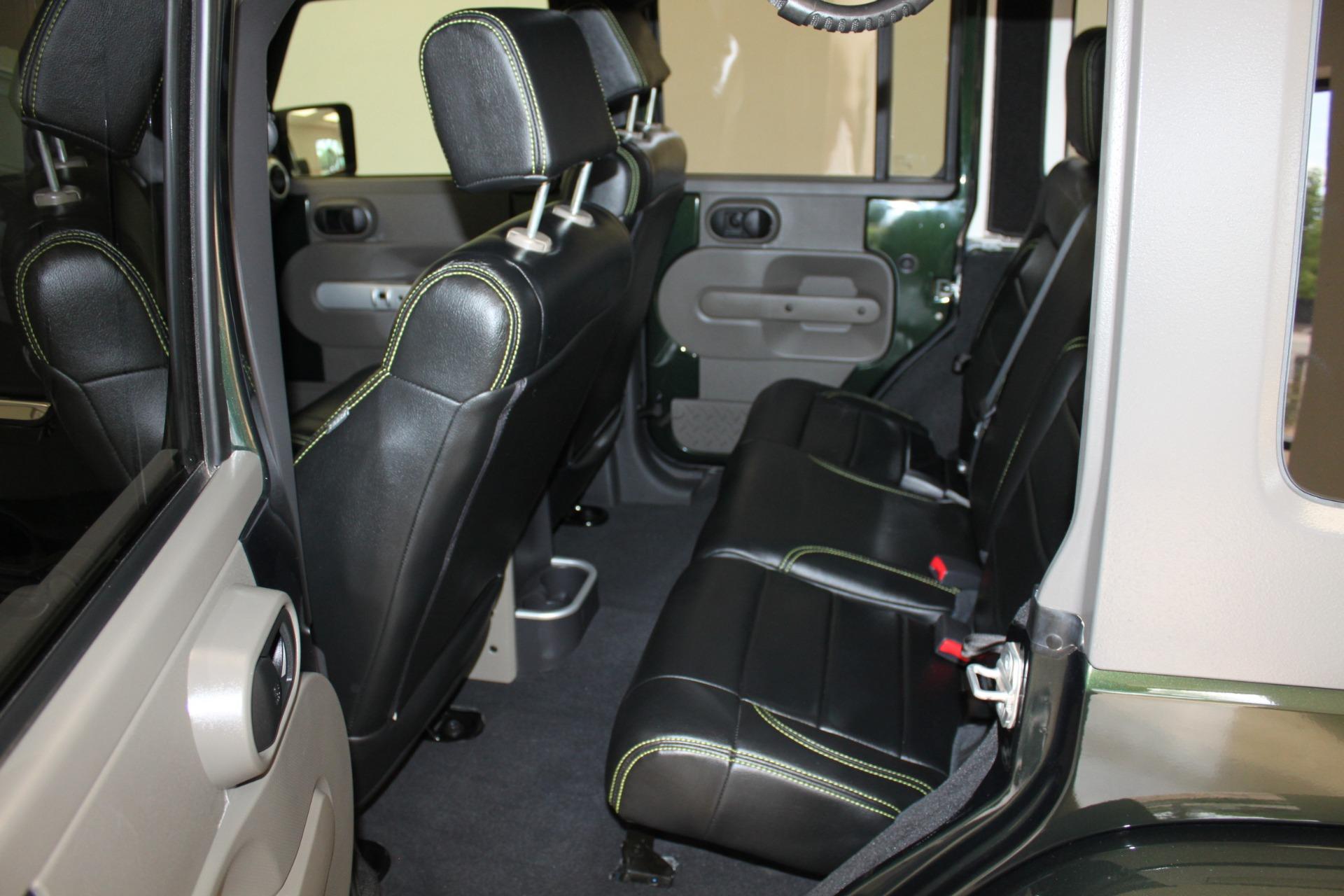 Used-2010-Jeep-Wrangler-Unlimited-Sahara-4X4-Grand-Cherokee