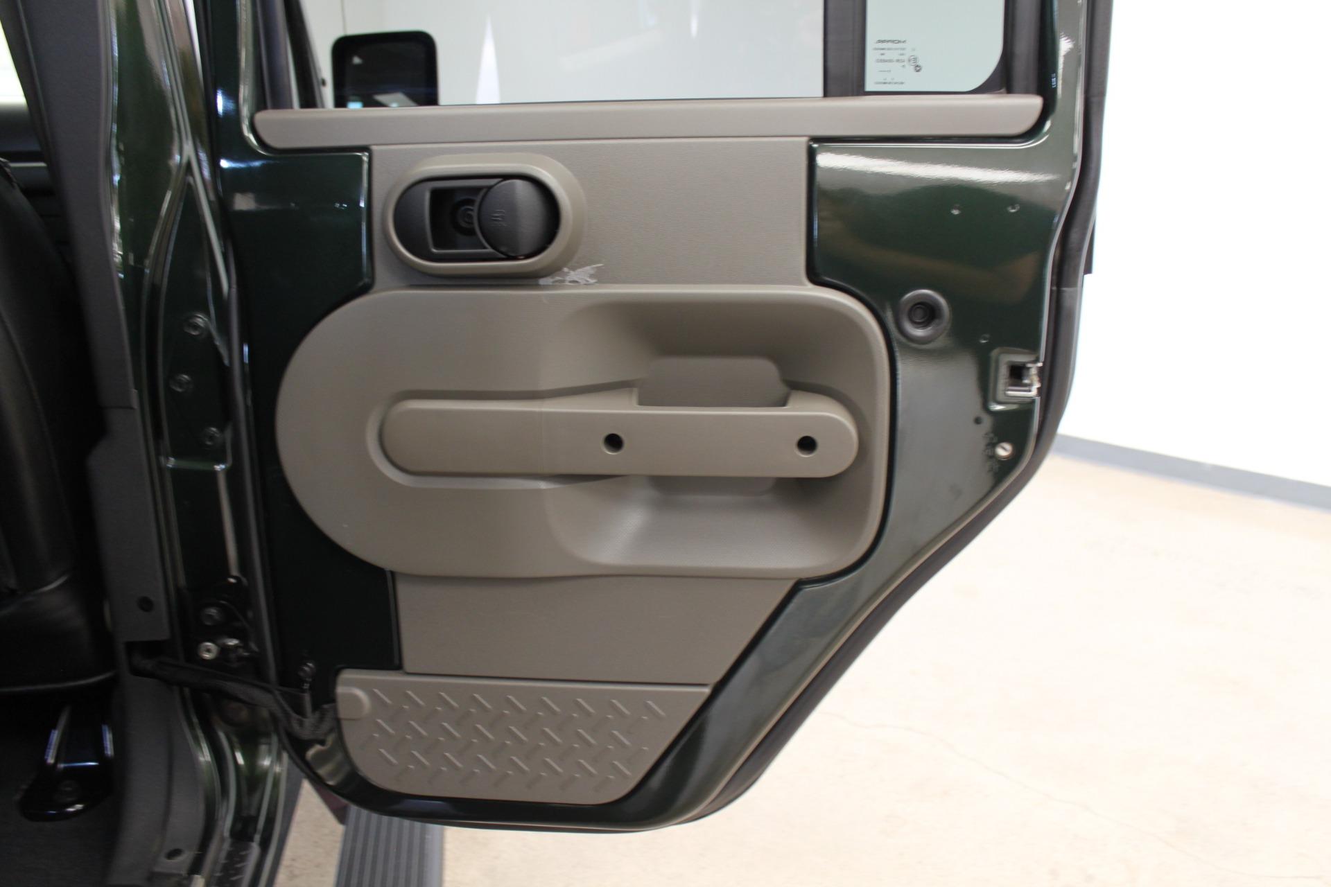 Used-2010-Jeep-Wrangler-Unlimited-Sahara-4X4-Acura