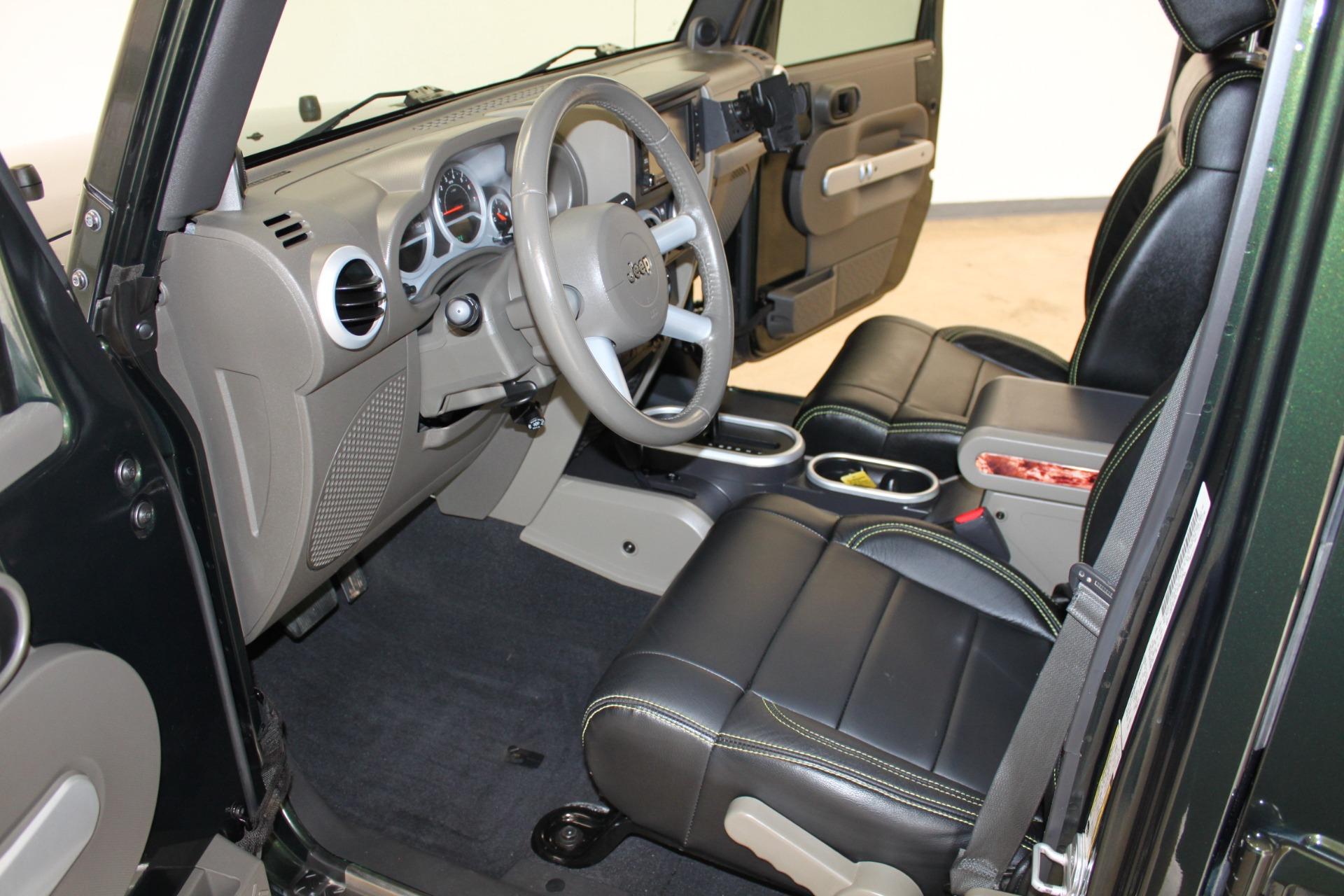 Used-2010-Jeep-Wrangler-Unlimited-Sahara-4X4-vintage