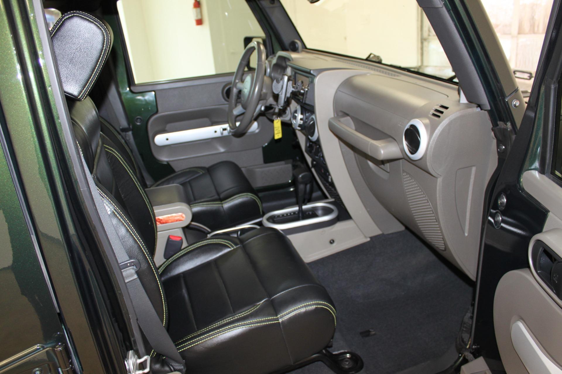 Used-2010-Jeep-Wrangler-Unlimited-Sahara-4X4-Chrysler