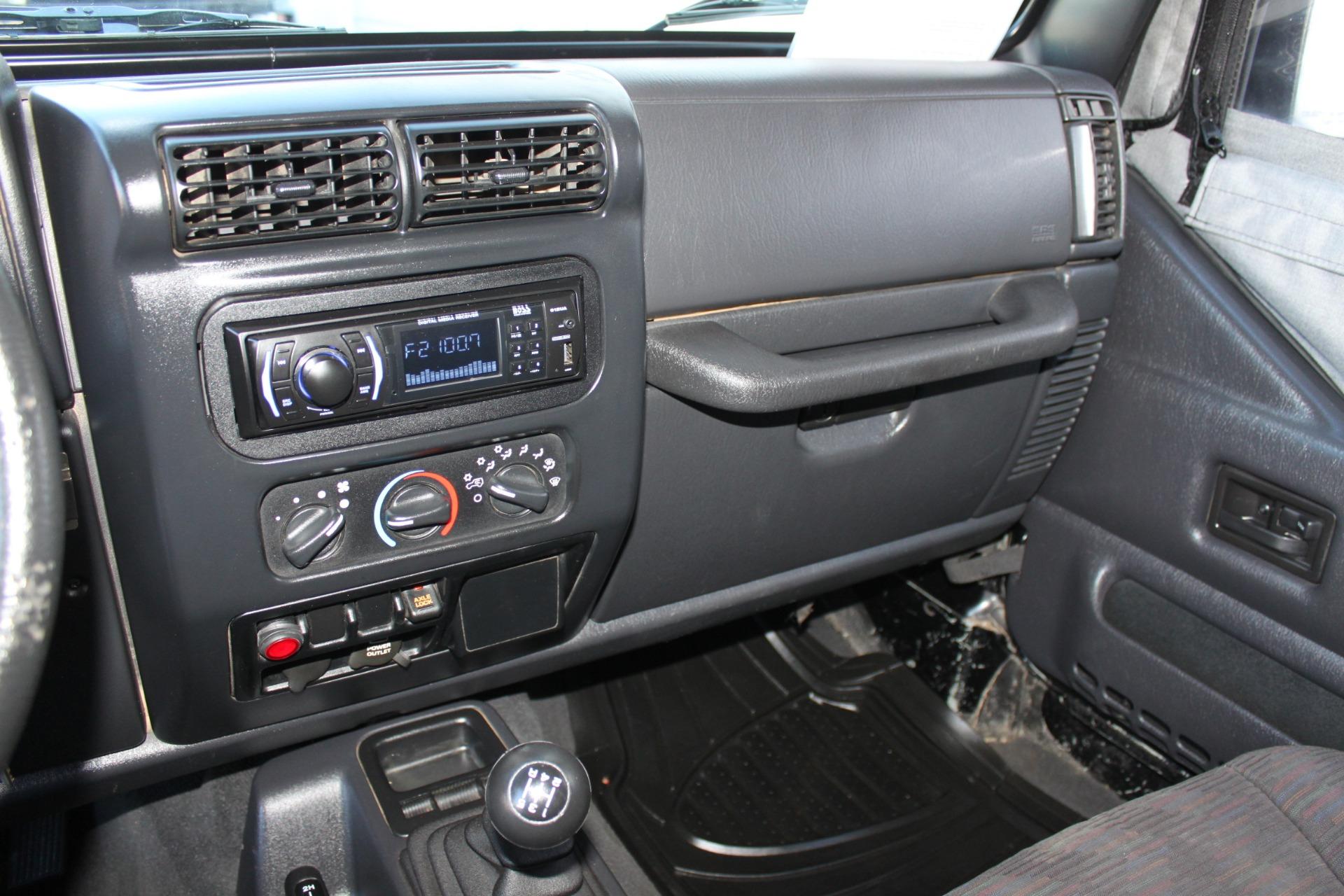 Used-2004-Jeep-Wrangler-Rubicon-Lincoln