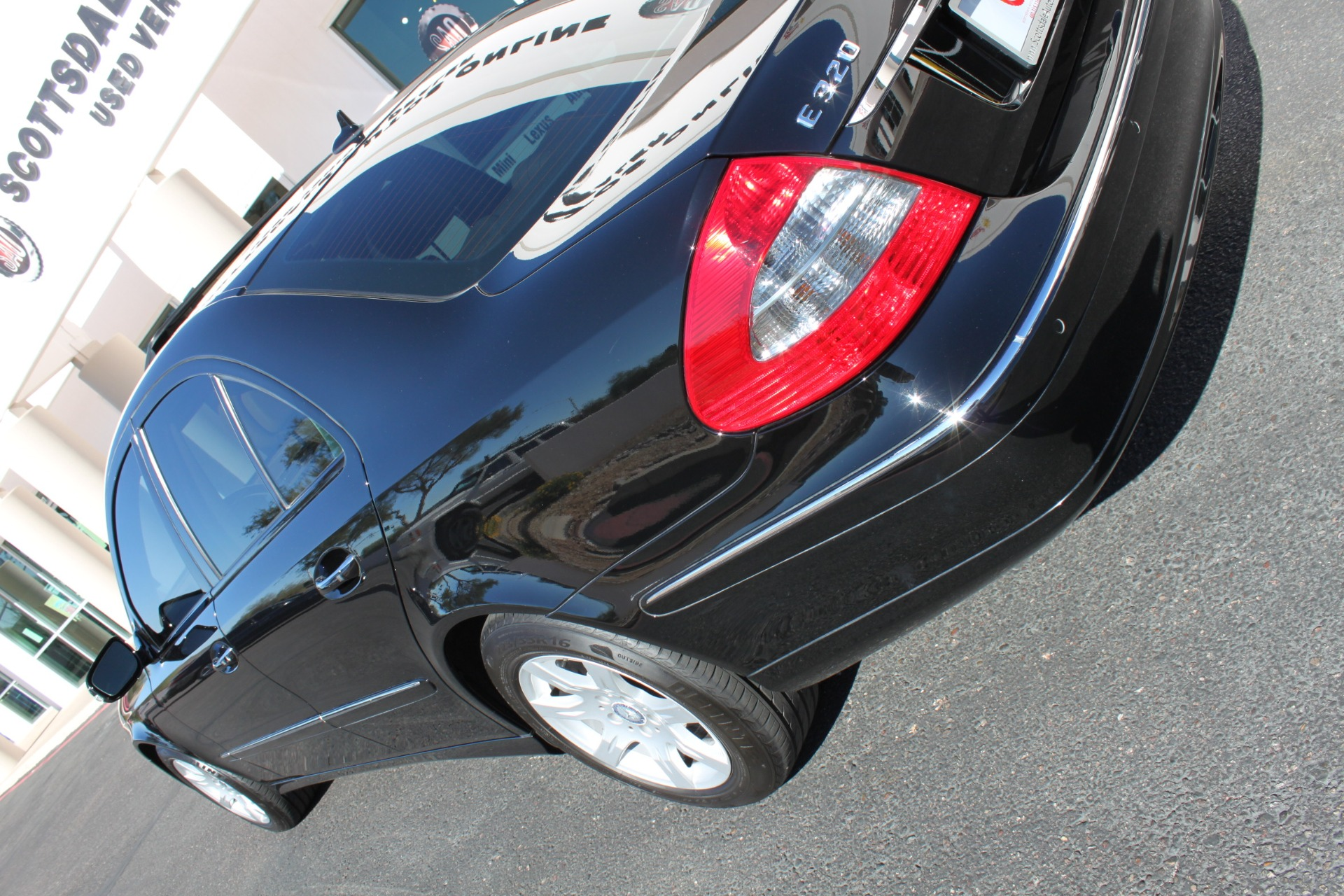 Used-2009-Mercedes-Benz-E-Class-E320-30L-BlueTEC-4X4