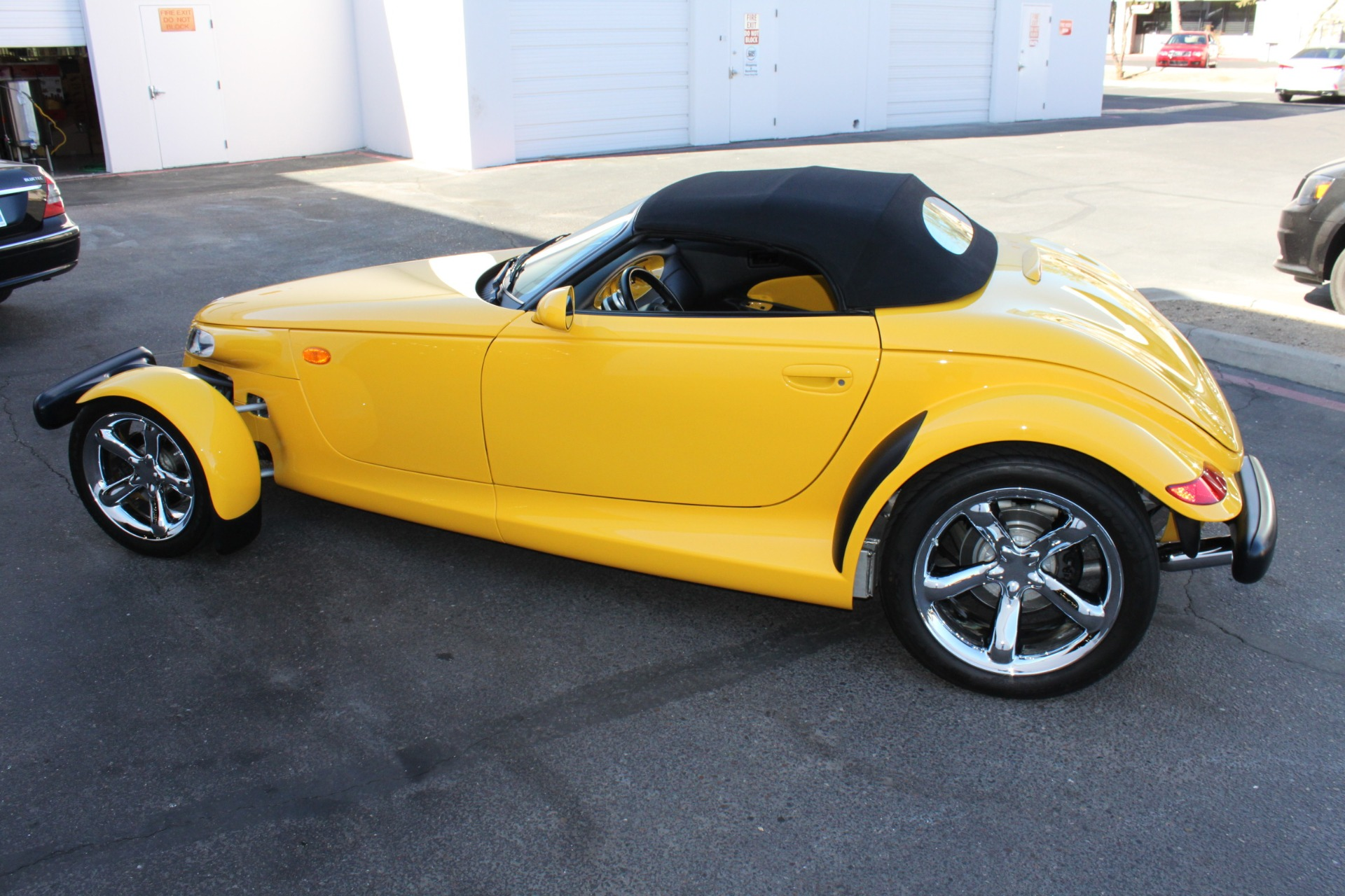 Used-2002-Chrysler-Prowler-Ford