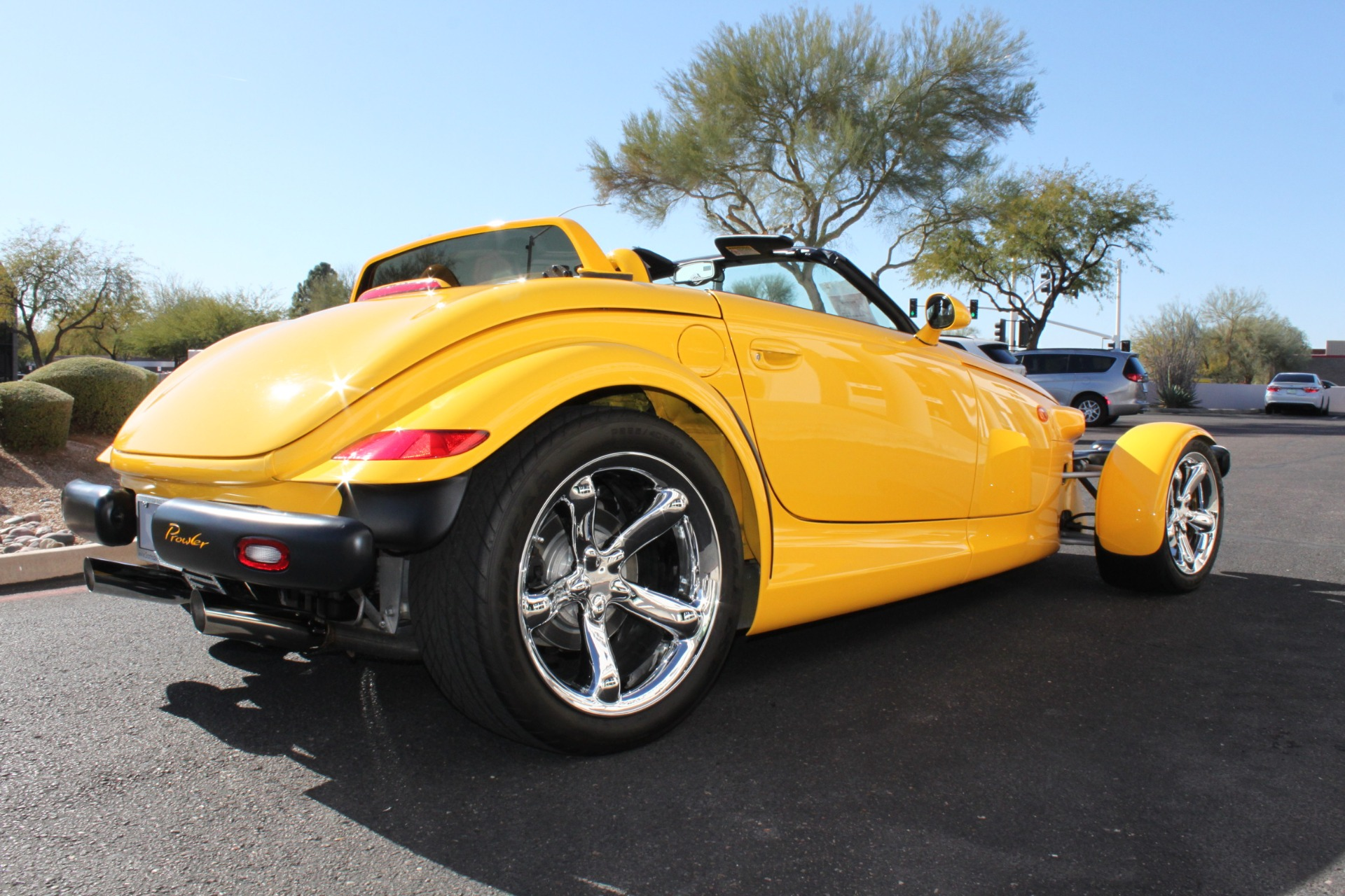 Used-2002-Chrysler-Prowler-Classic
