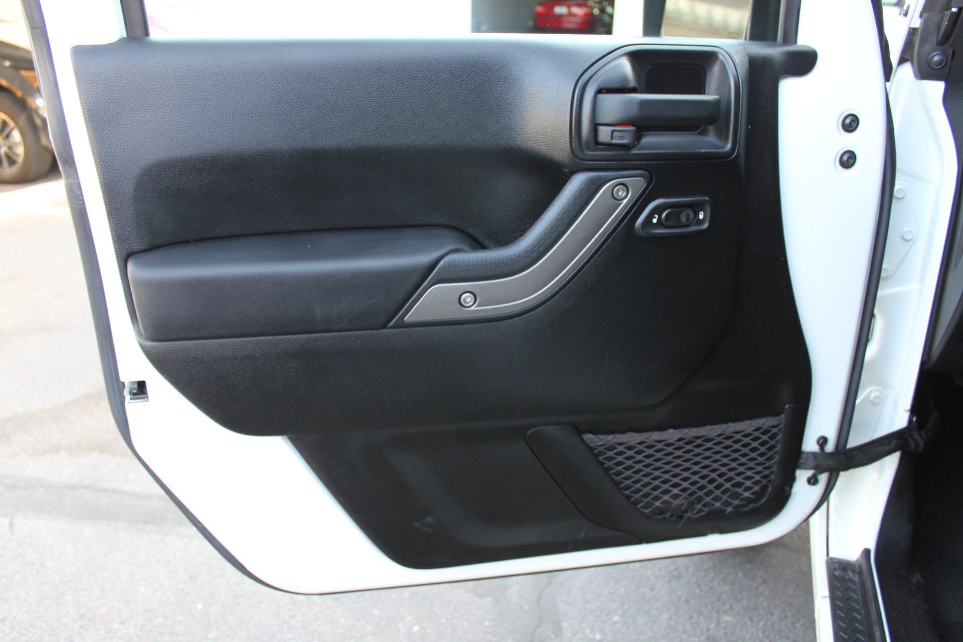 Used-2013-Jeep-Wrangler-Sport-S-4X4-Mini