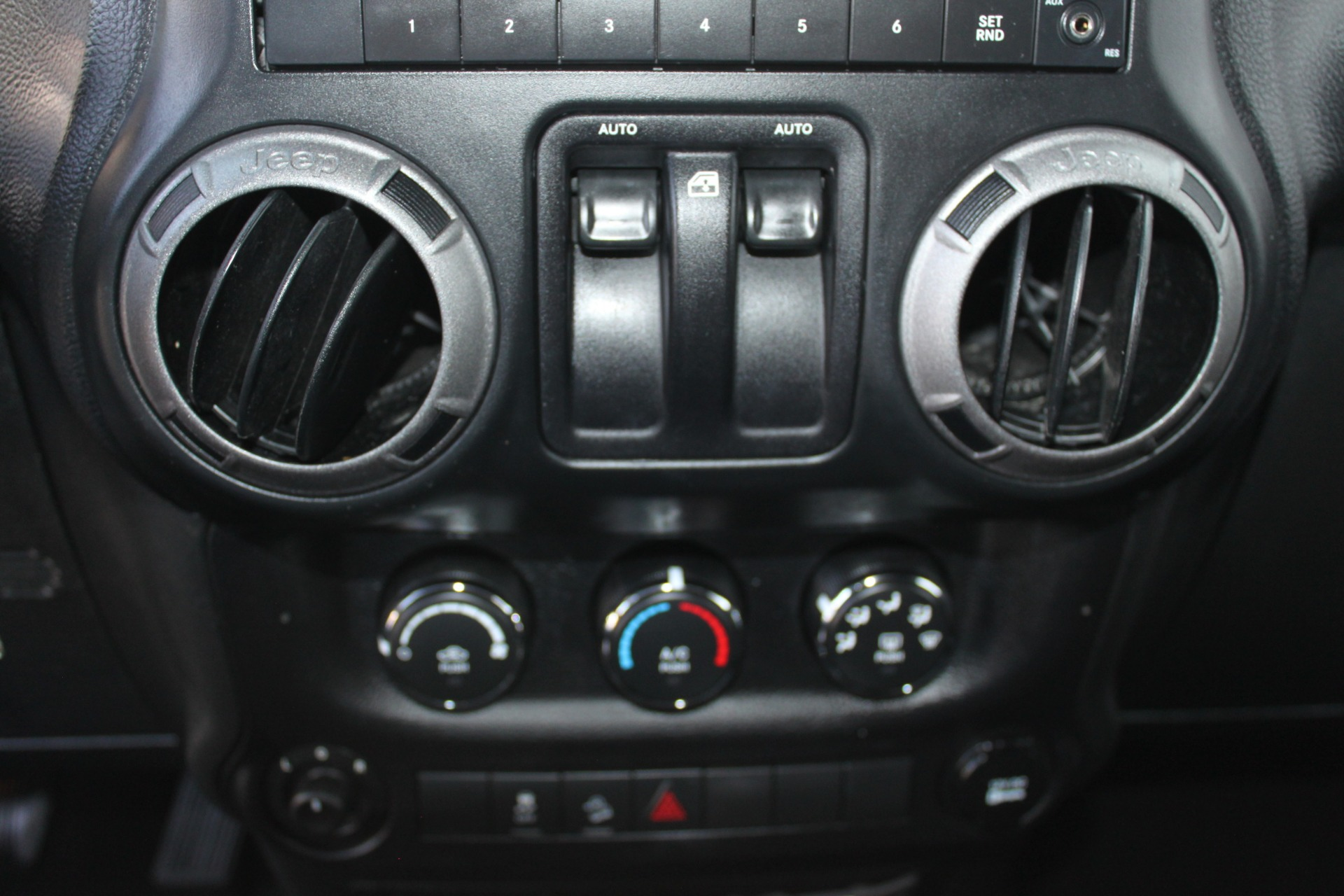 Used-2013-Jeep-Wrangler-Sport-S-4X4-Land-Rover
