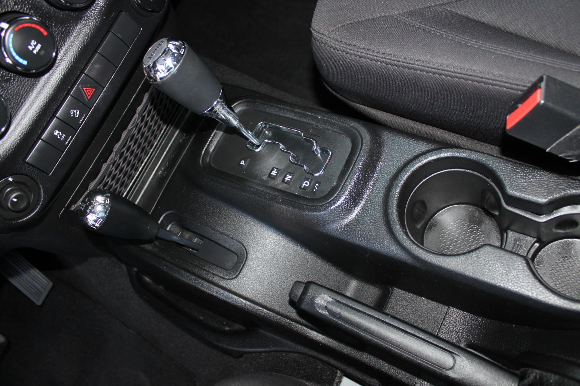 Used-2013-Jeep-Wrangler-Sport-S-4X4-Range-Rover