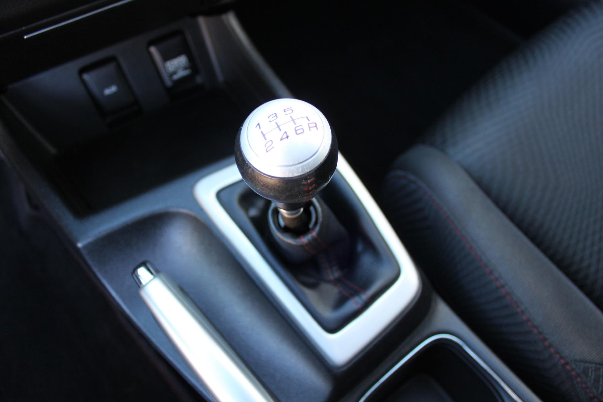 Used-2013-Honda-Civic-Sedan-Si-Collector