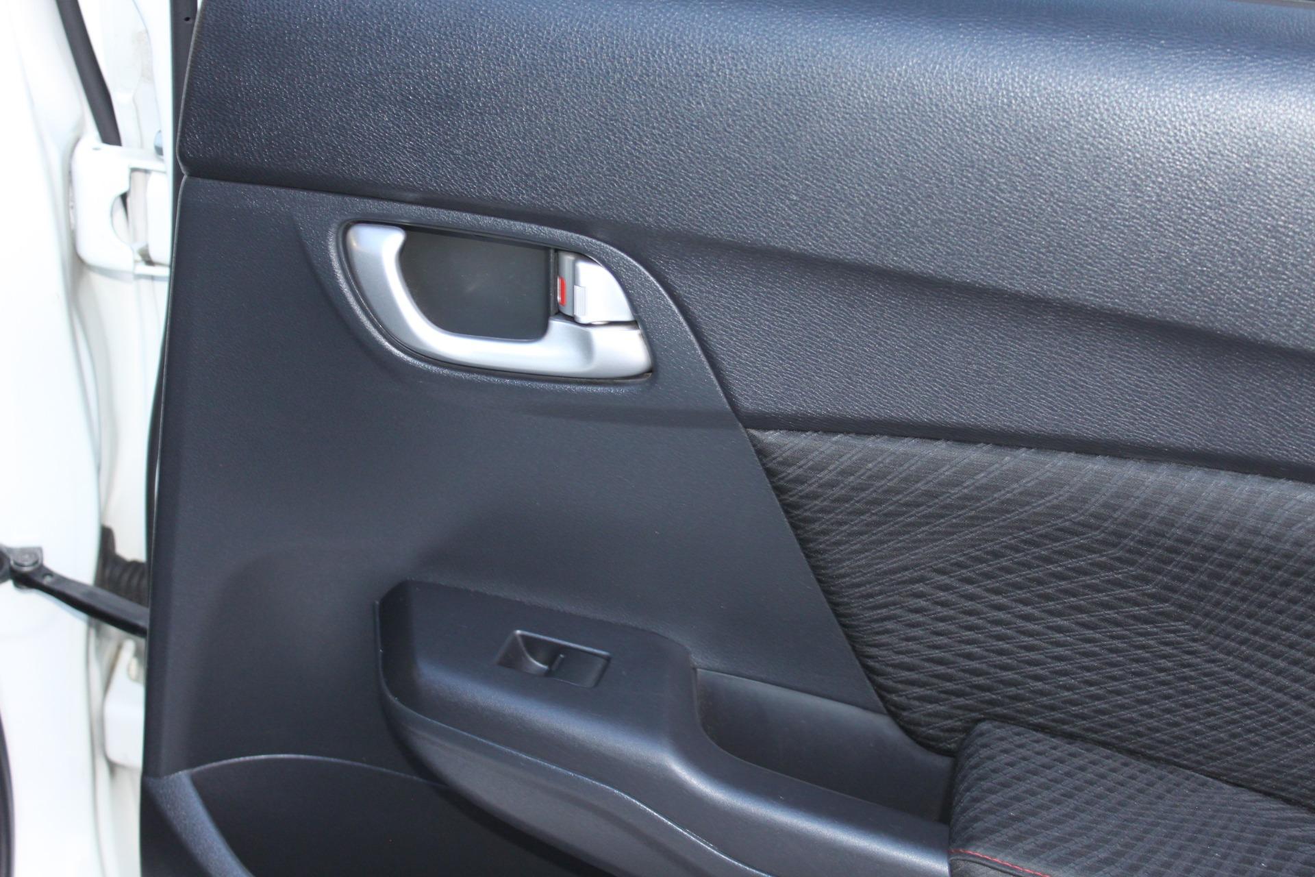 Used-2013-Honda-Civic-Sedan-Si-Camaro