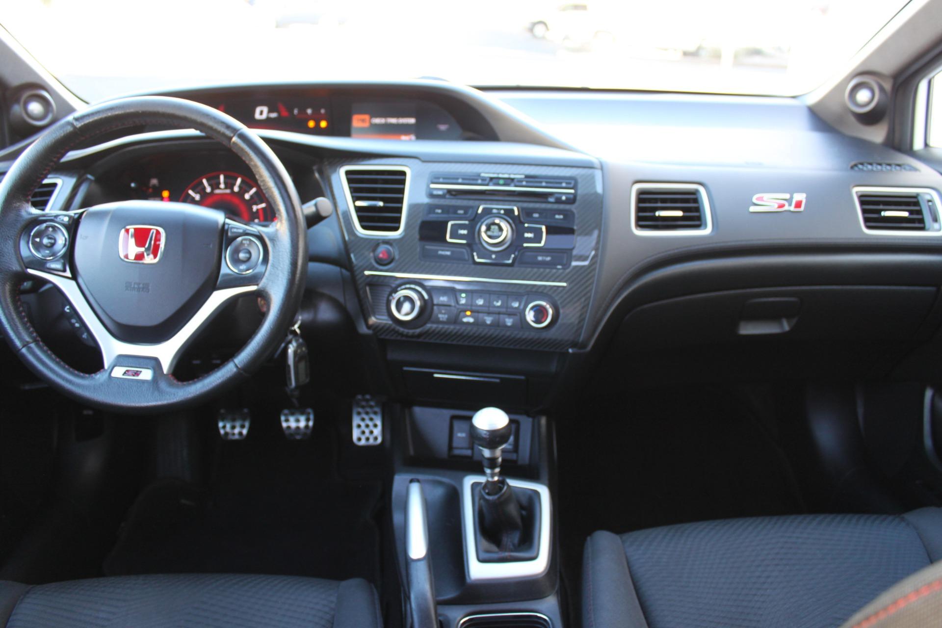 Used-2013-Honda-Civic-Sedan-Si-BMW