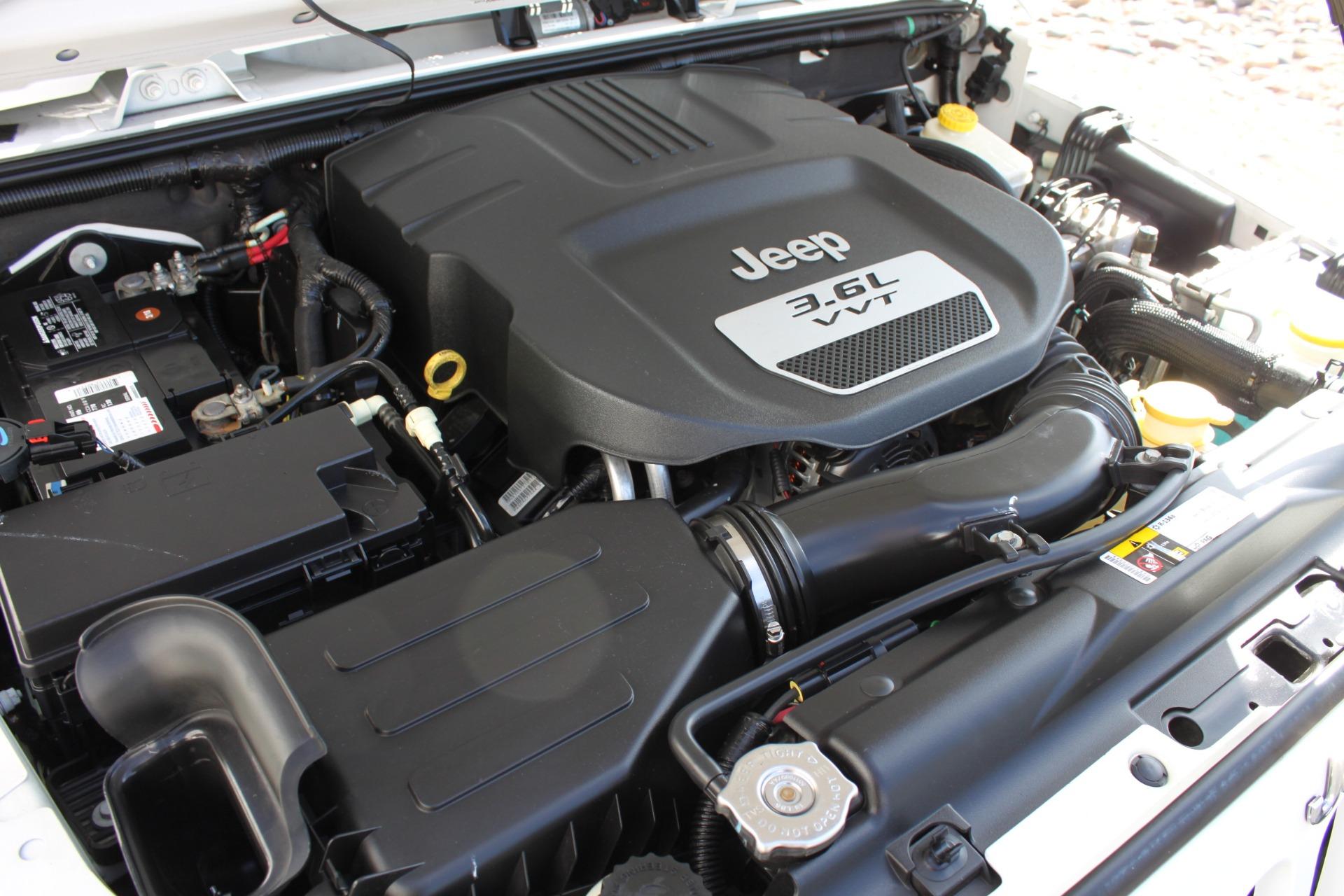 Used-2012-Jeep-Wrangler-Sport-4X4-vintage