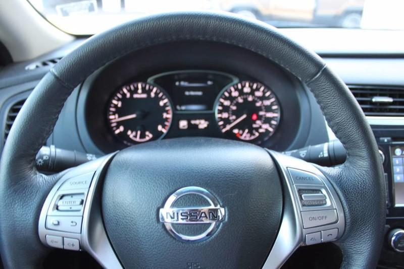 Used-2014-Nissan-Altima-25-SL-Chevrolet