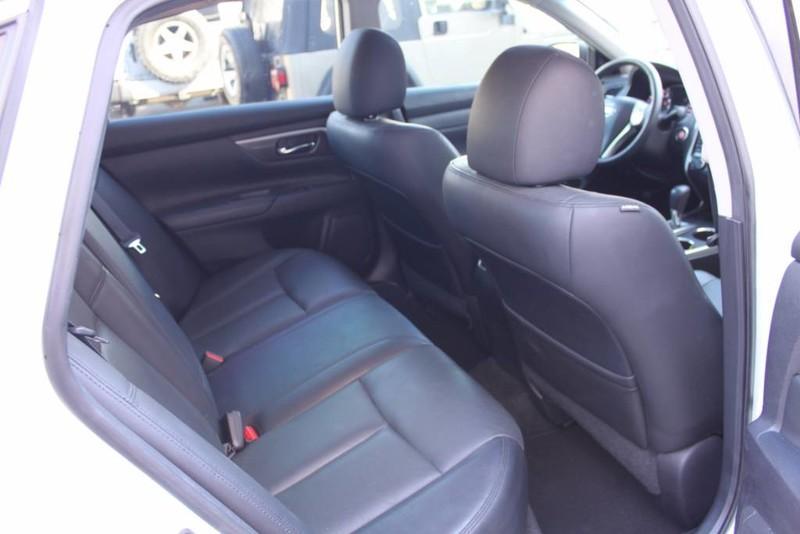 Used-2014-Nissan-Altima-25-SL-Mini