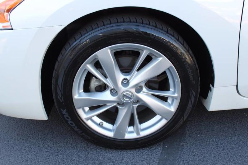 Used-2014-Nissan-Altima-25-SL-Honda