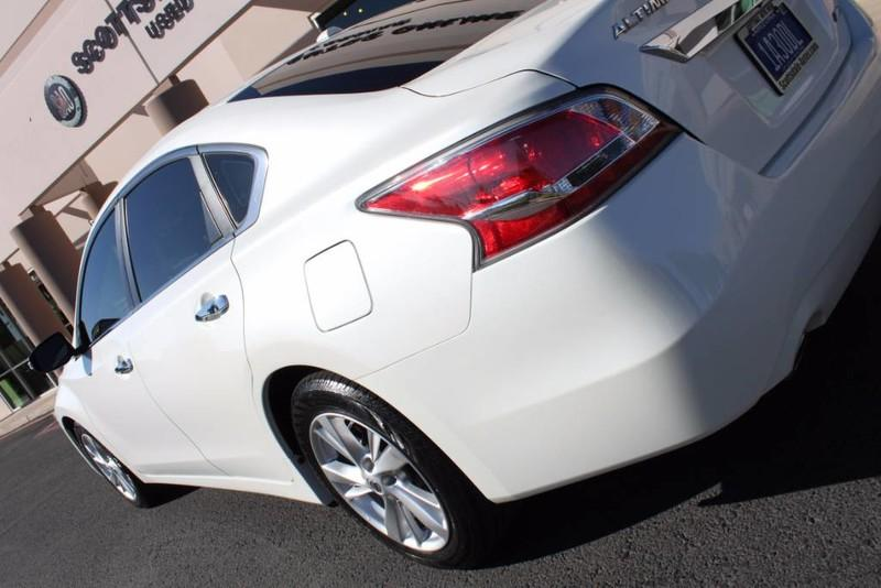 Used-2014-Nissan-Altima-25-SL-Ferrari