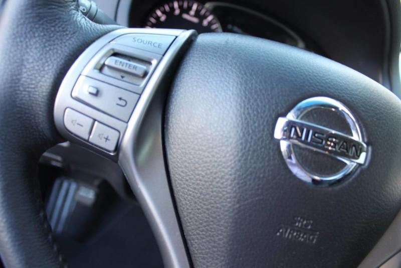 Used-2014-Nissan-Altima-25-SL-Jeep