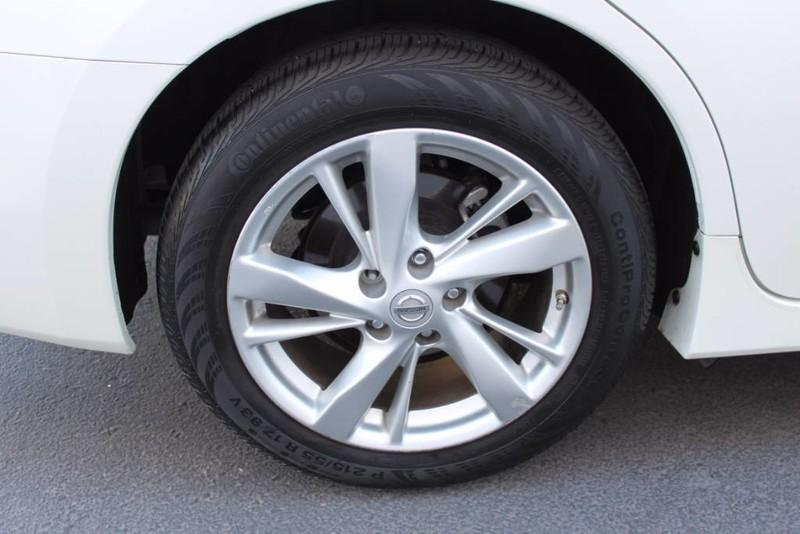 Used-2014-Nissan-Altima-25-SL-4X4